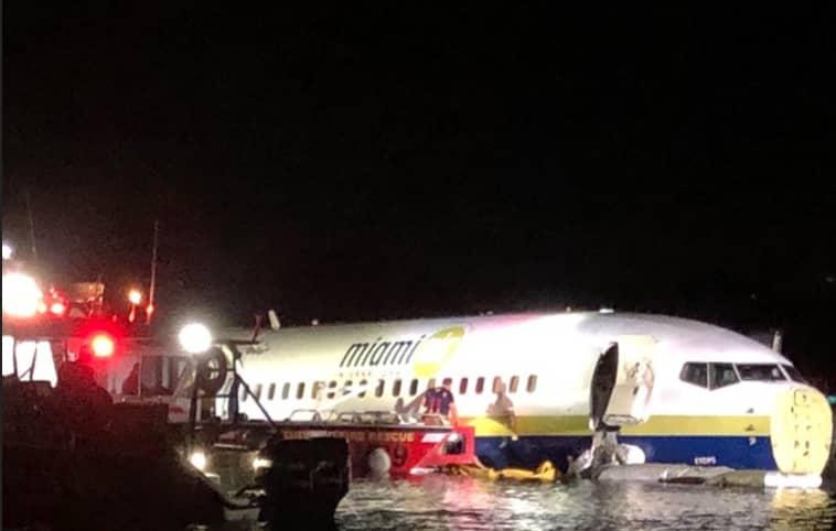 Boeing 737 slides off runway into Florida river, 21 hurt thumbnail