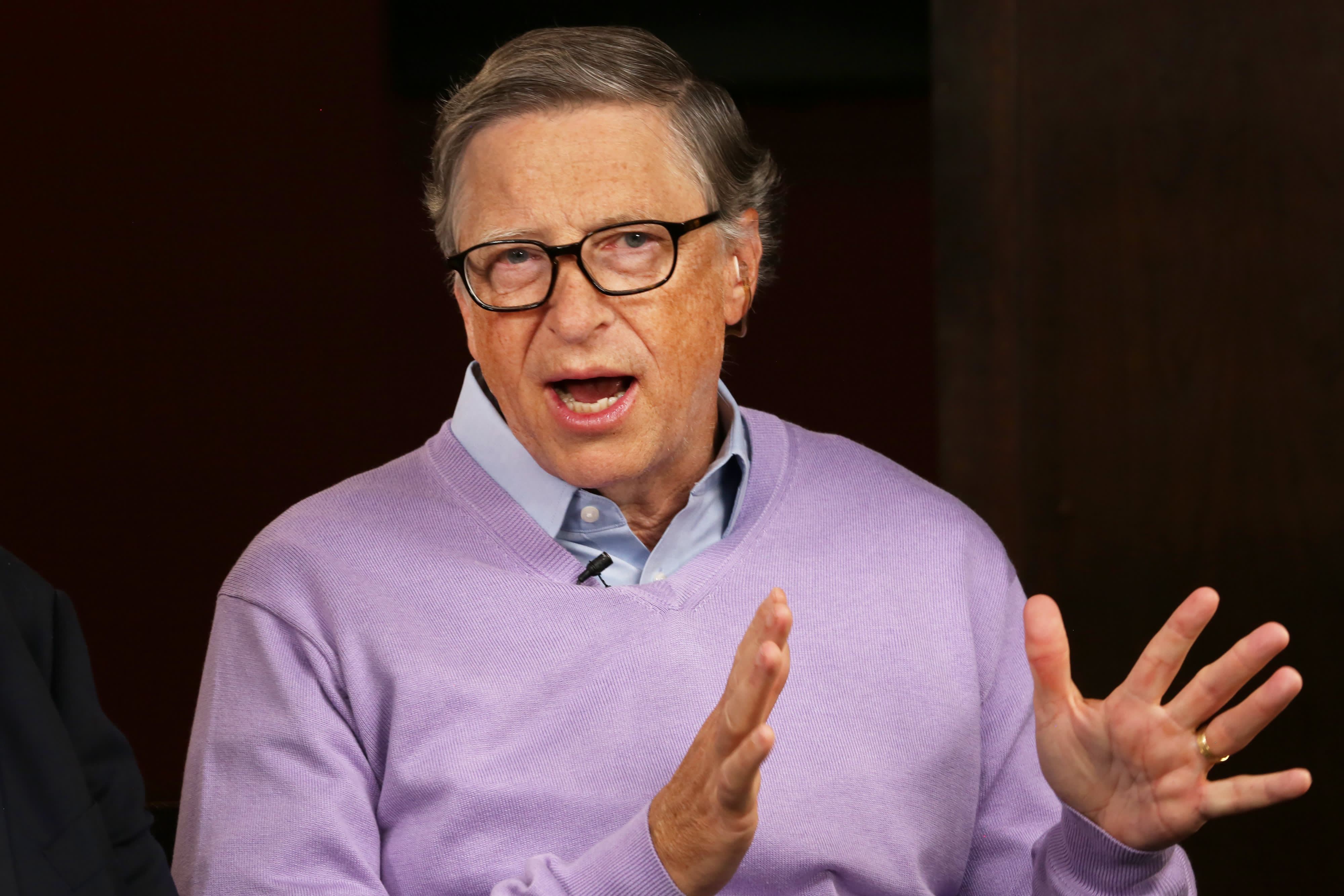Билл Гейтс опроверг слухи о чипировании людей под видом вакцинации