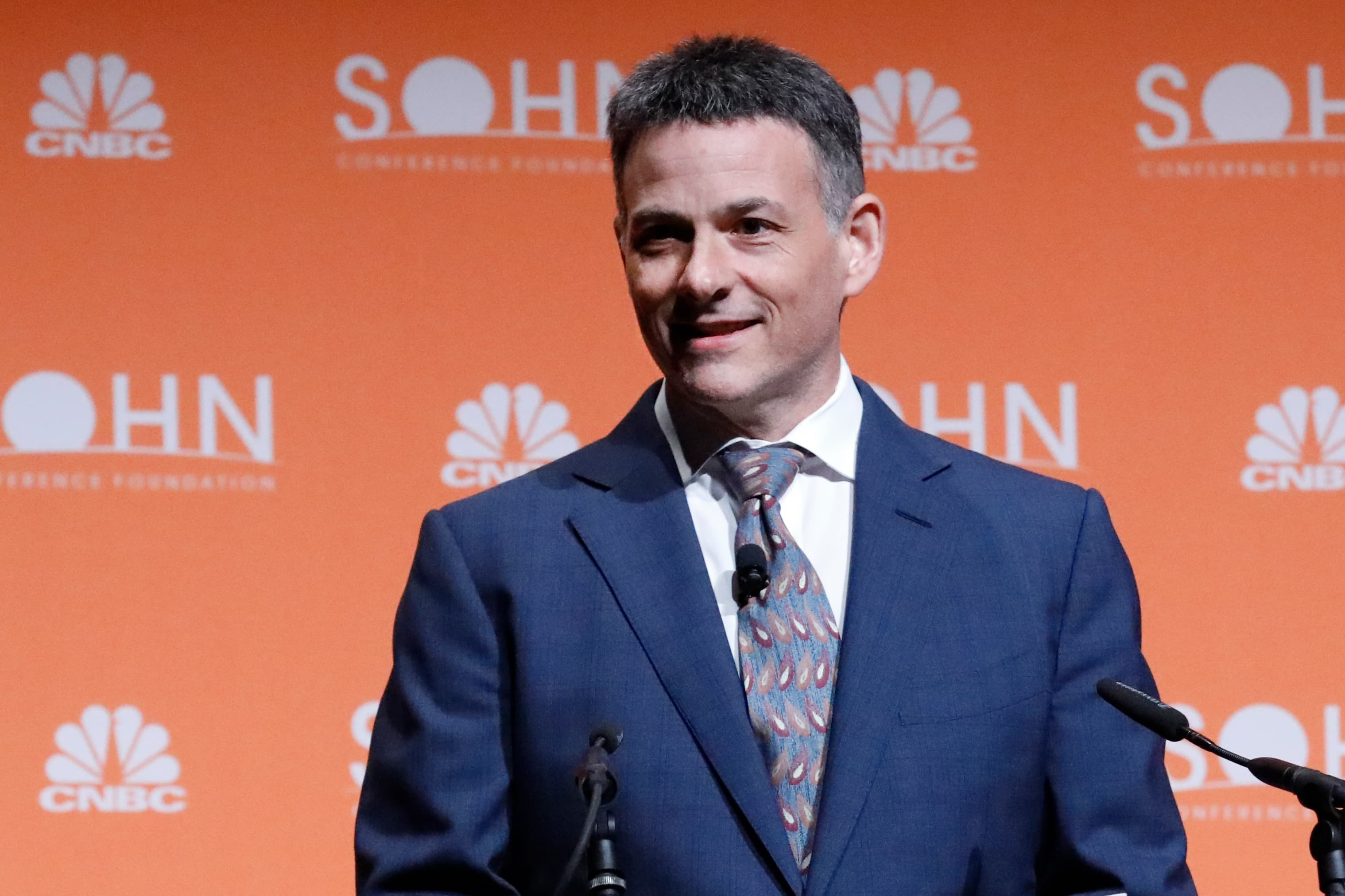 Hedge fund manager David Einhorn unveils two new trades at the Sohn conference