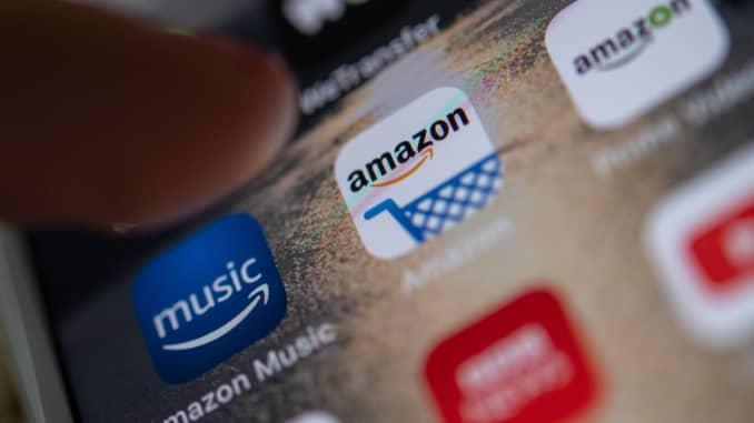 GP: Amazon app on a smartphone