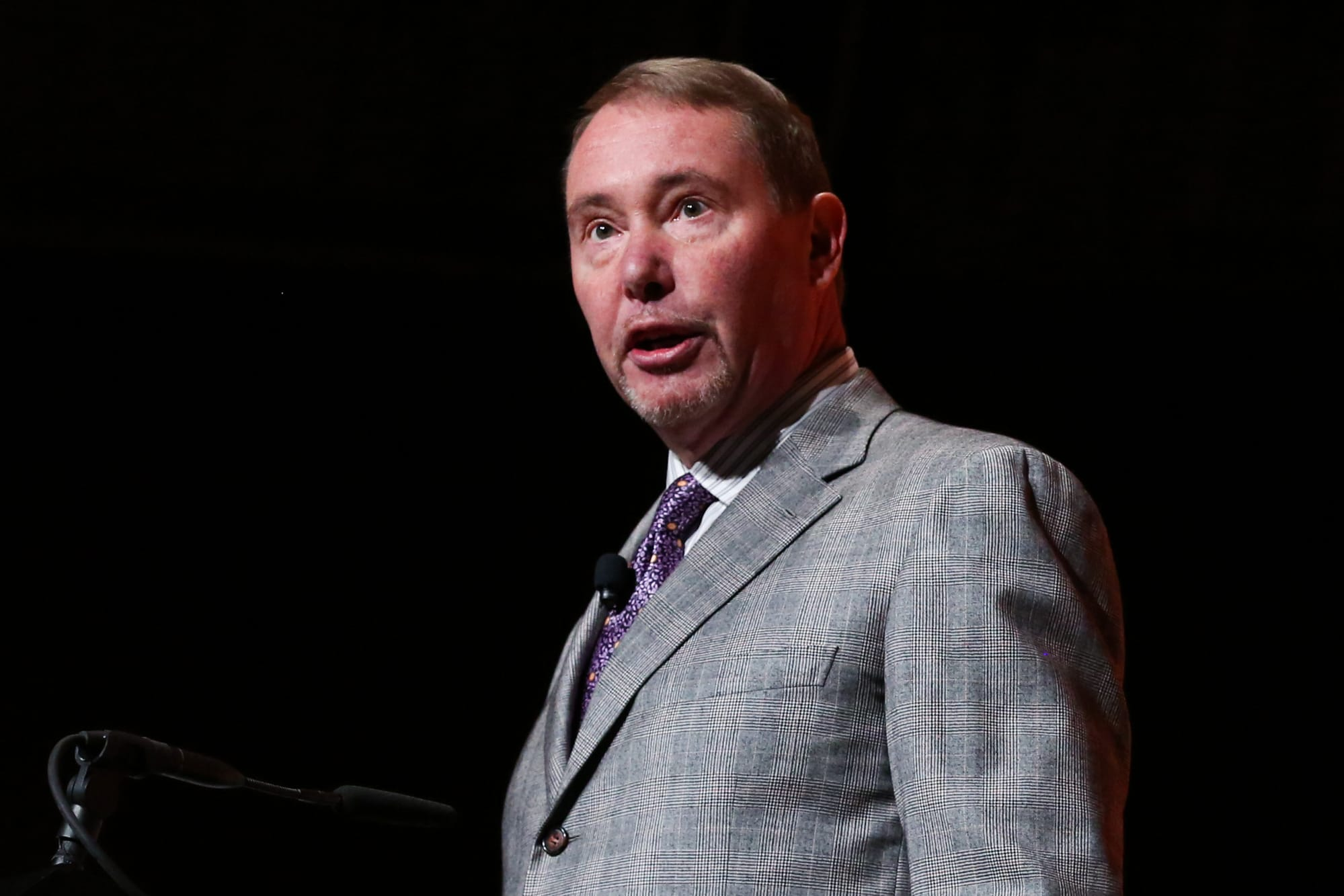 'Bond King' Jeffrey Gundlach says interest rates have bottomed for the year