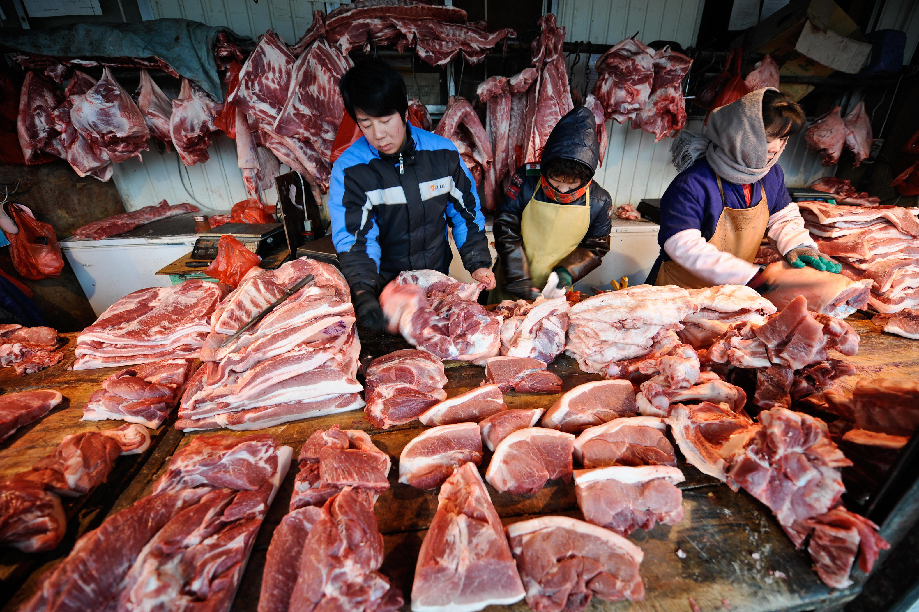China cancels US pork import order as trade war drags on