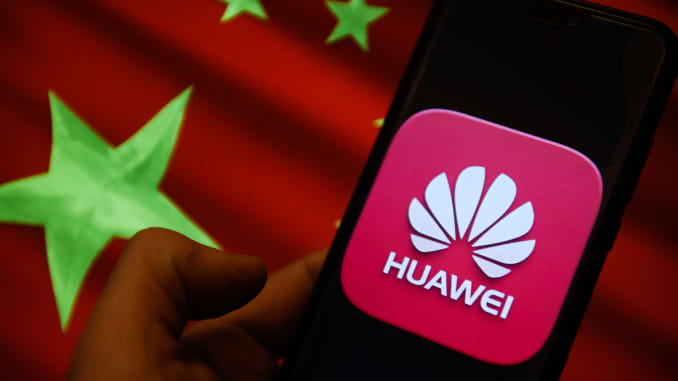 Huawei staff and Chinese military have deep links, study claims