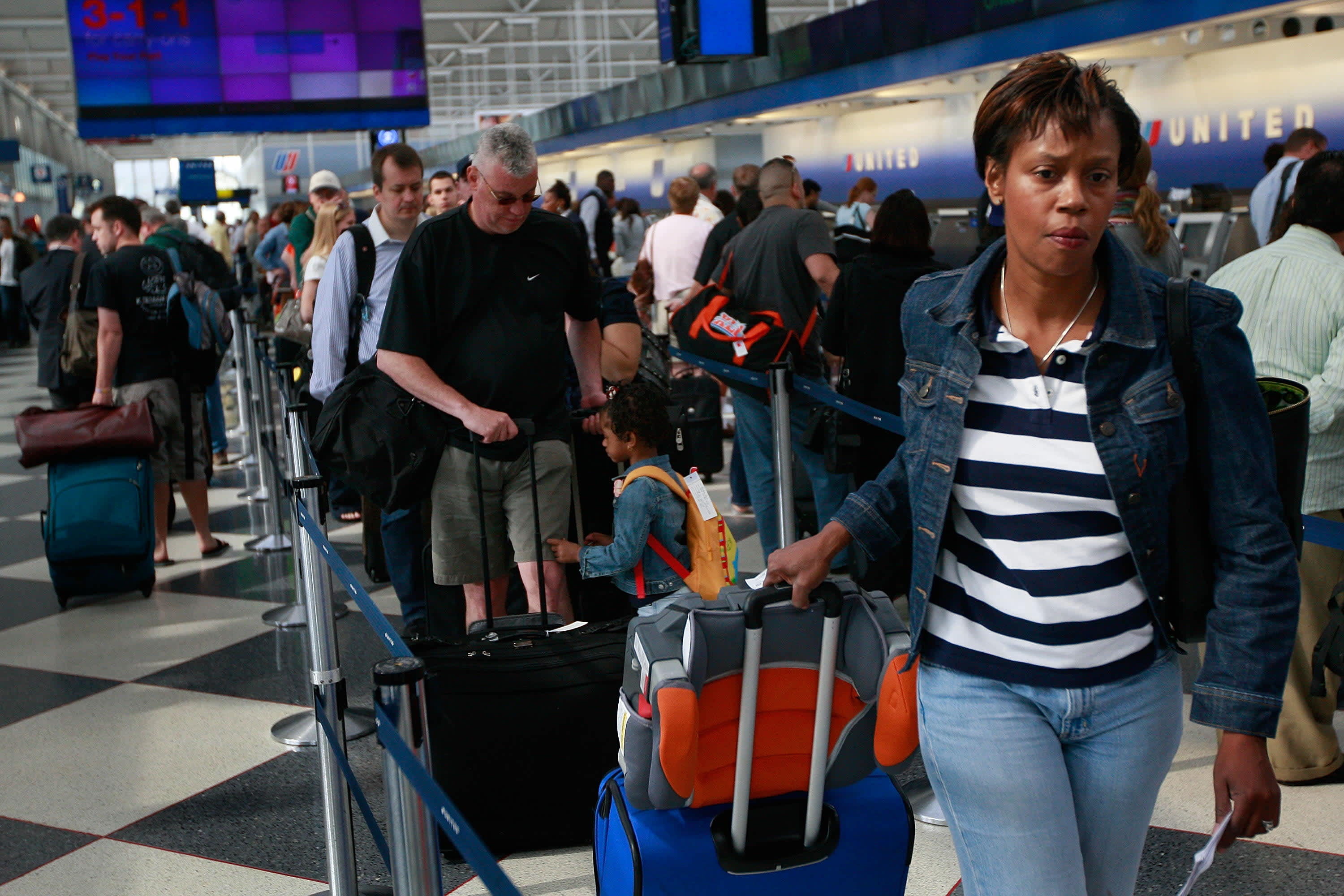 US airlines are set to carry a record number of passengers this summer