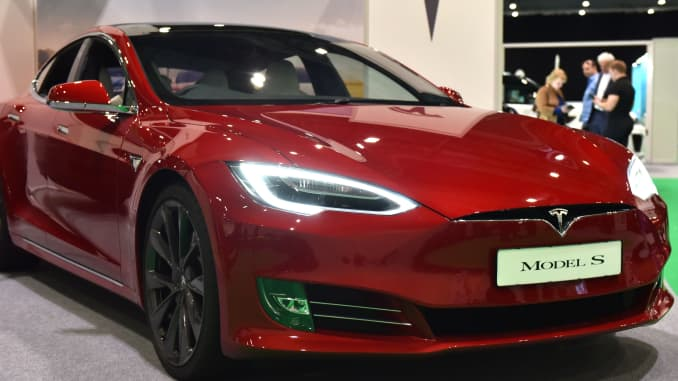 GS: Tesla Model S at London Motor And Tech Show 190316