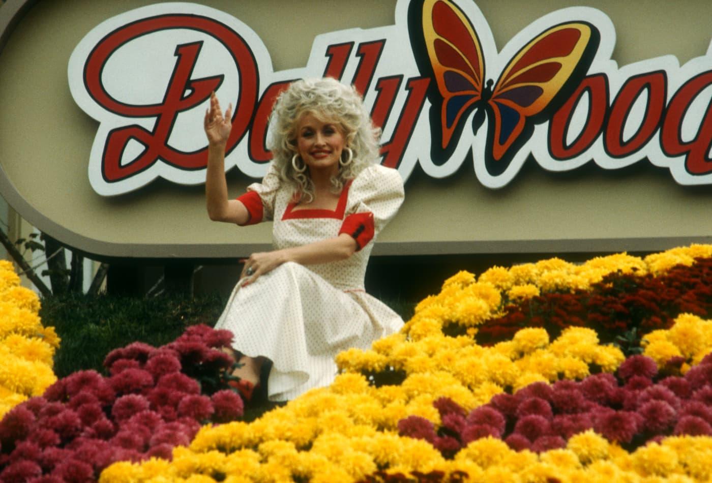 Photos: Dolly Parton's Dollywood theme park opened new