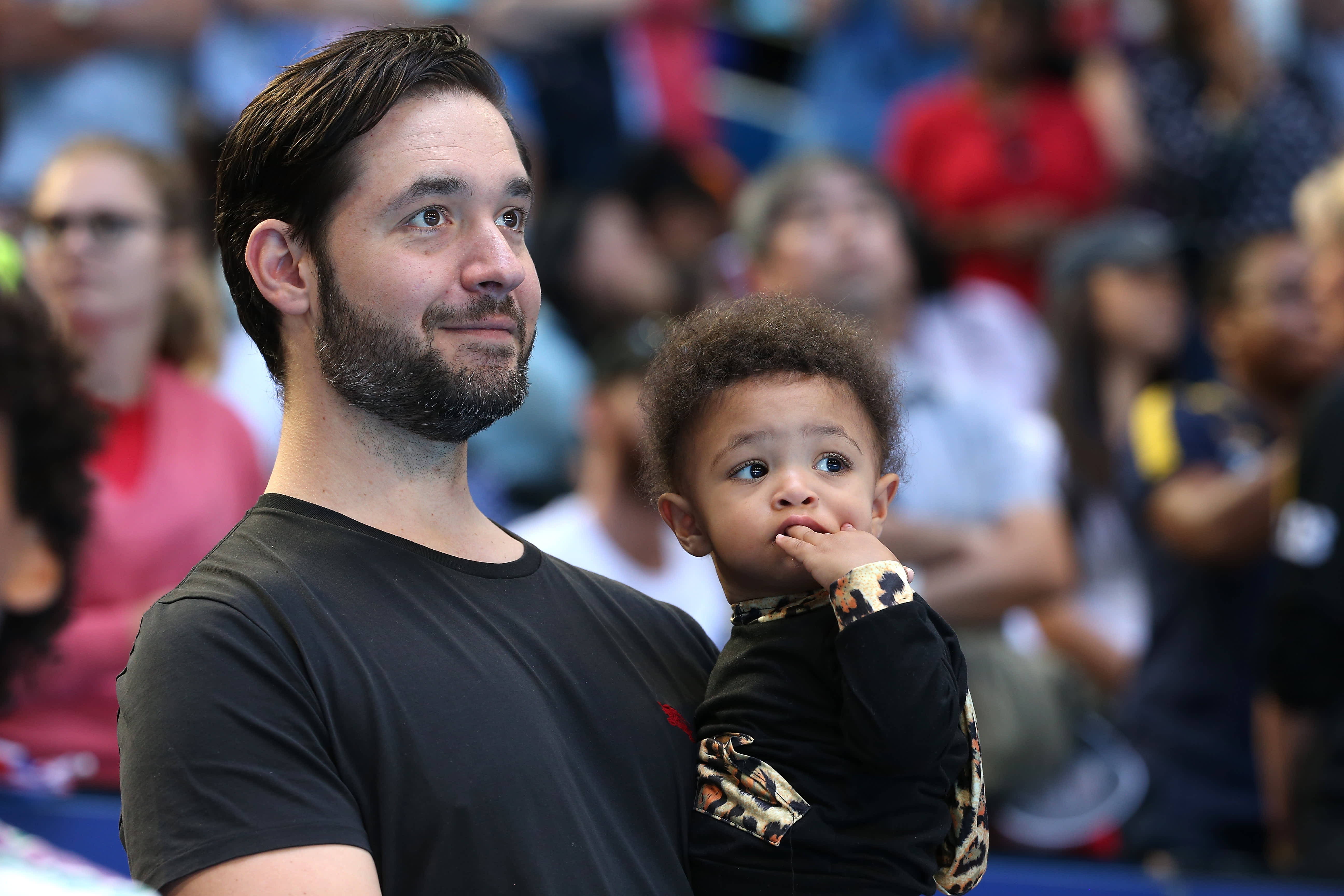 Reddit co-founder Ohanian: Glorifying extreme work schedules on social media is 'toxic' problem