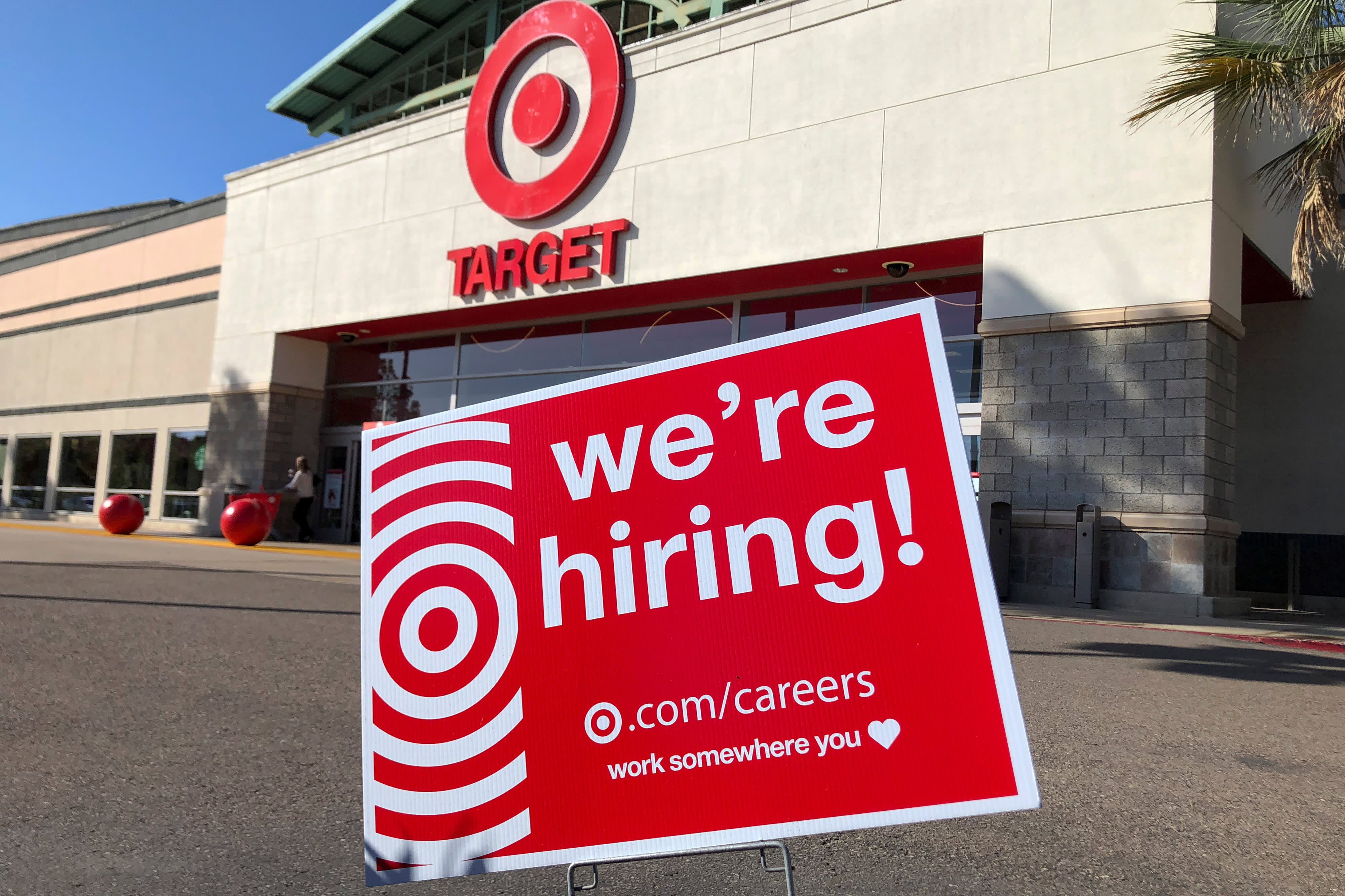 Target to hire 130000 holiday workers in line with last year but jobs will focus on online orders – CNBC