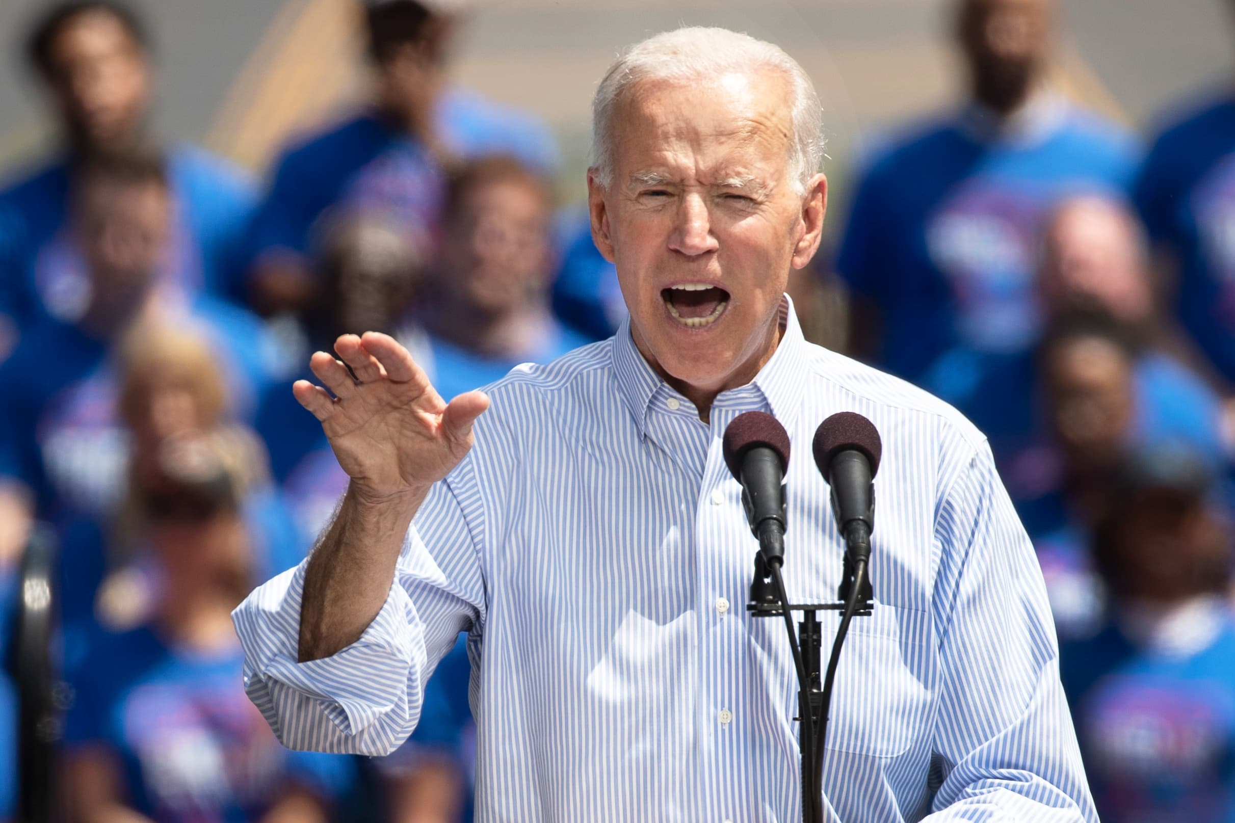 Joe Biden's Twitter fight with Amazon perfectly sums up the battle over America's new tax code