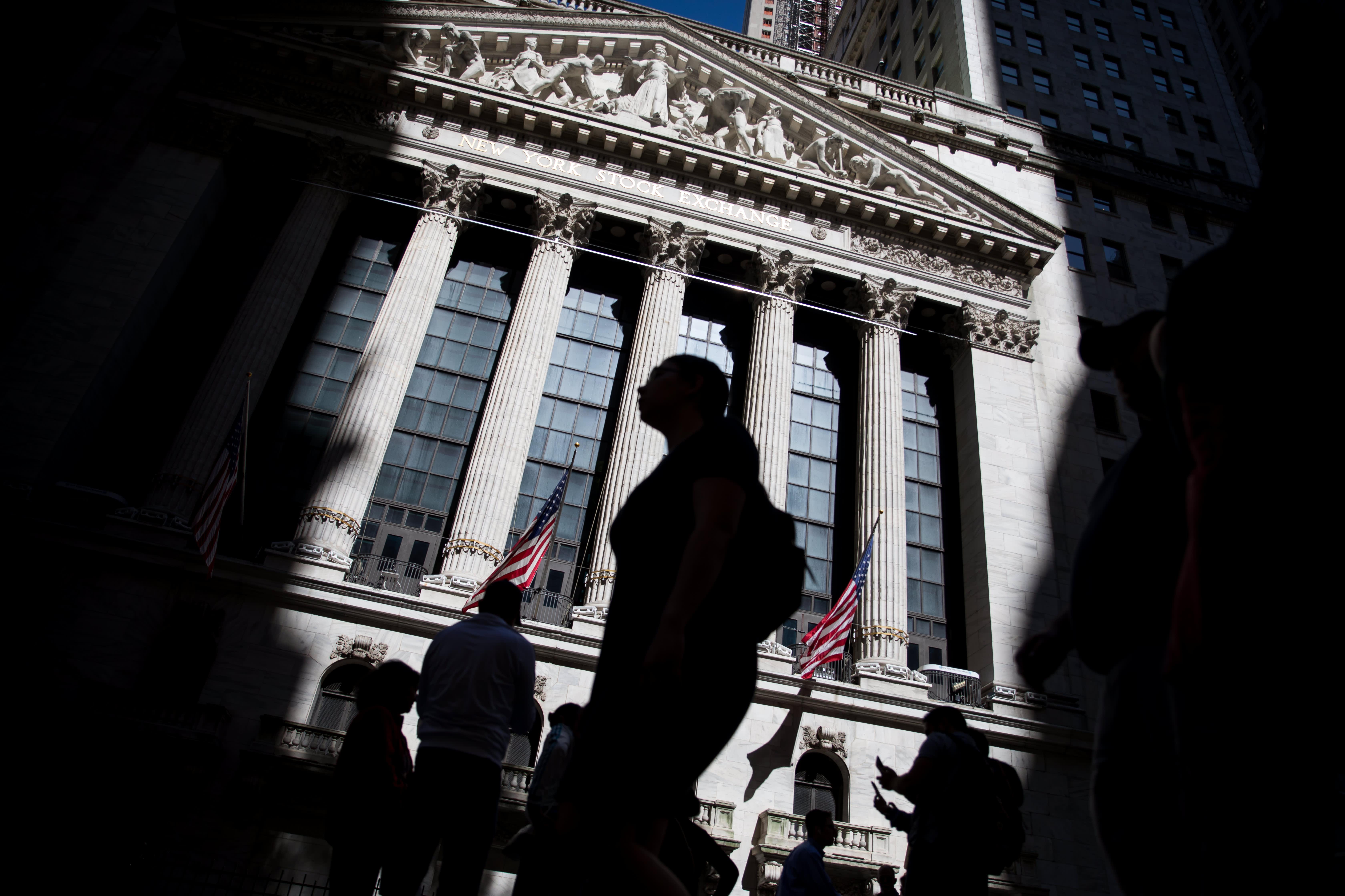 Treasury yields tick higher as investors await jobs report