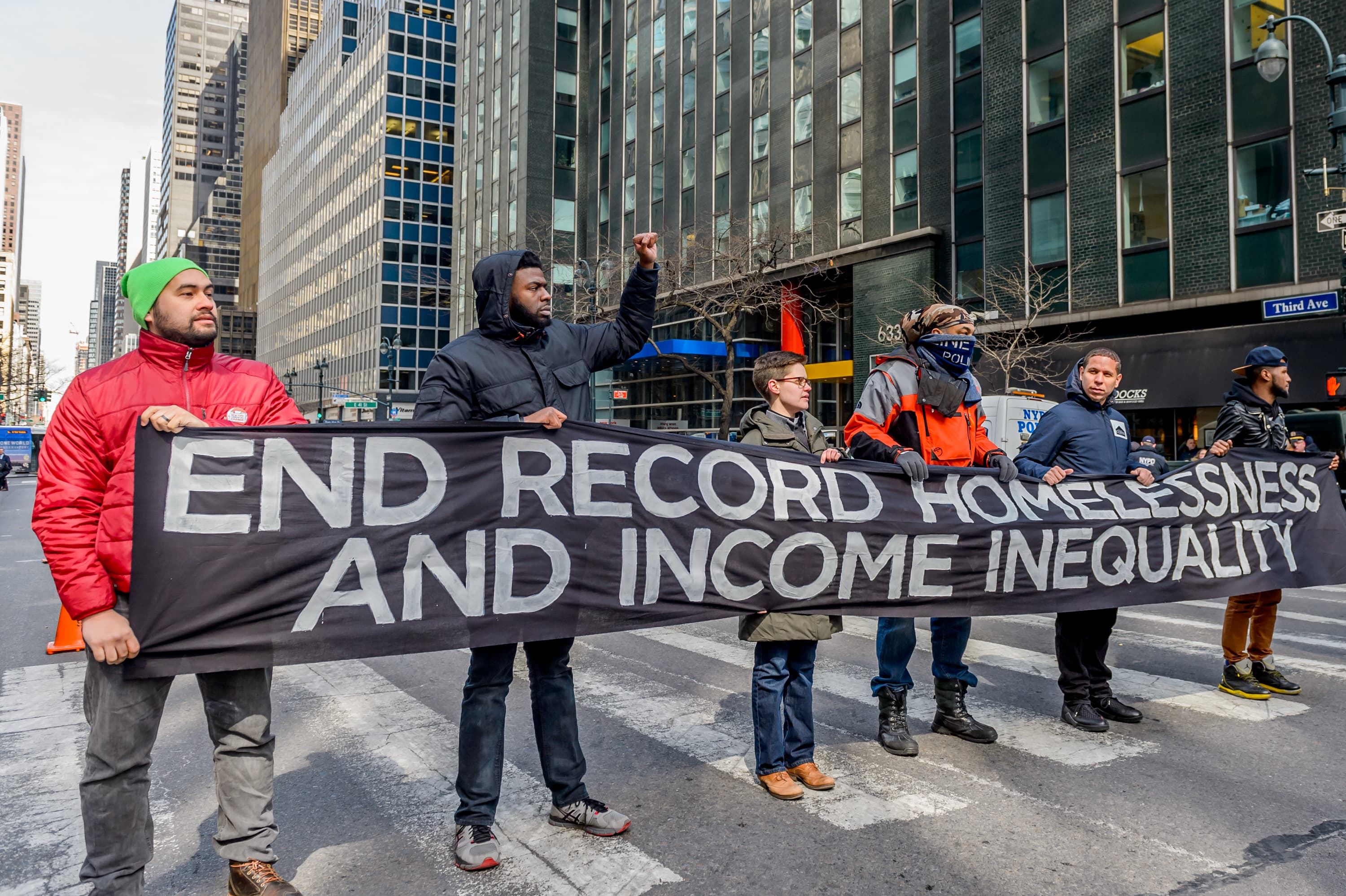 5 ways to fight wealth inequality, according to economists
