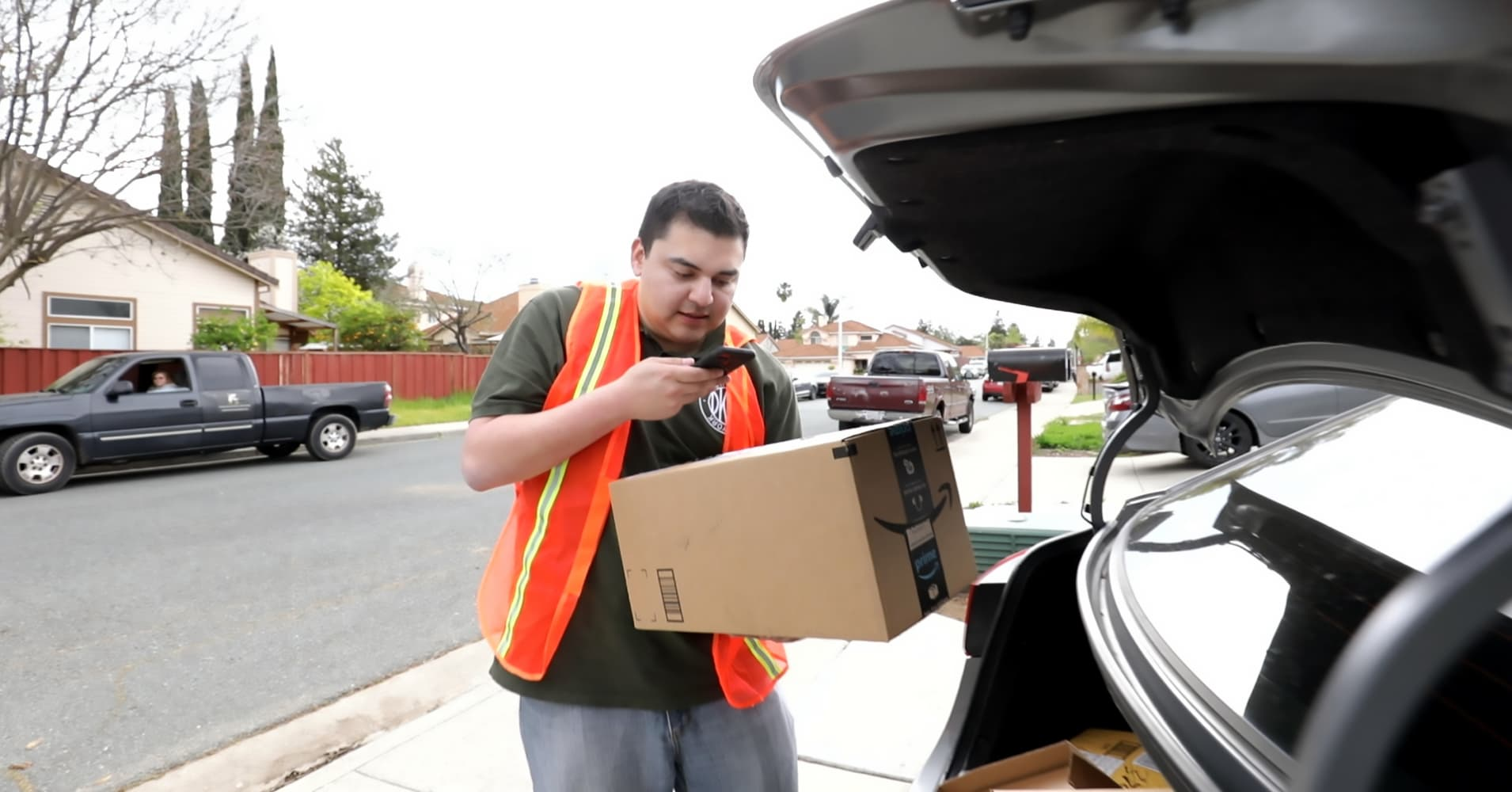 As Prime One Day shipping expands, here's what it's like to be an Amazon  Flex delivery driver
