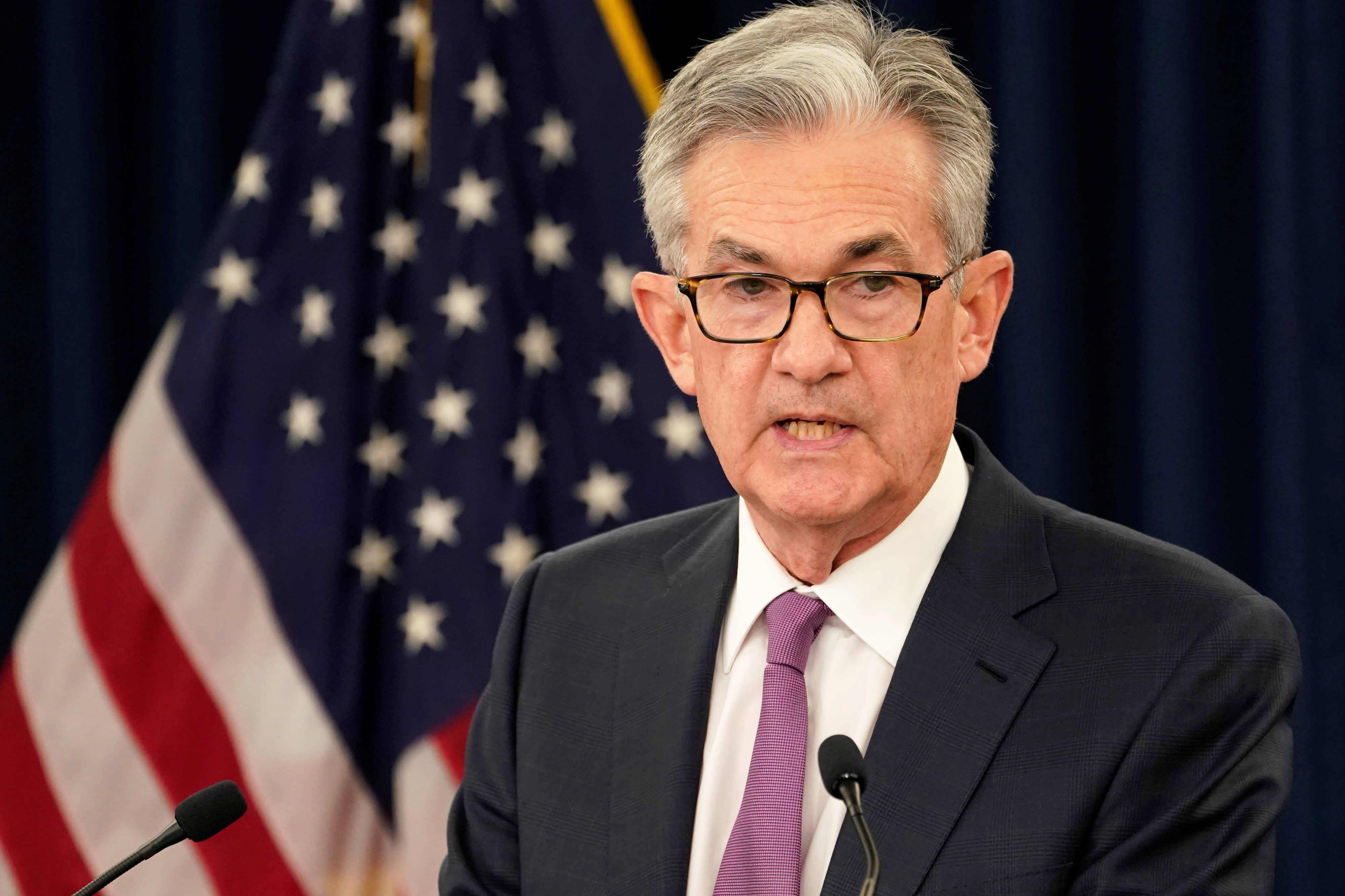 US futures point to higher open ahead of Powell's speech