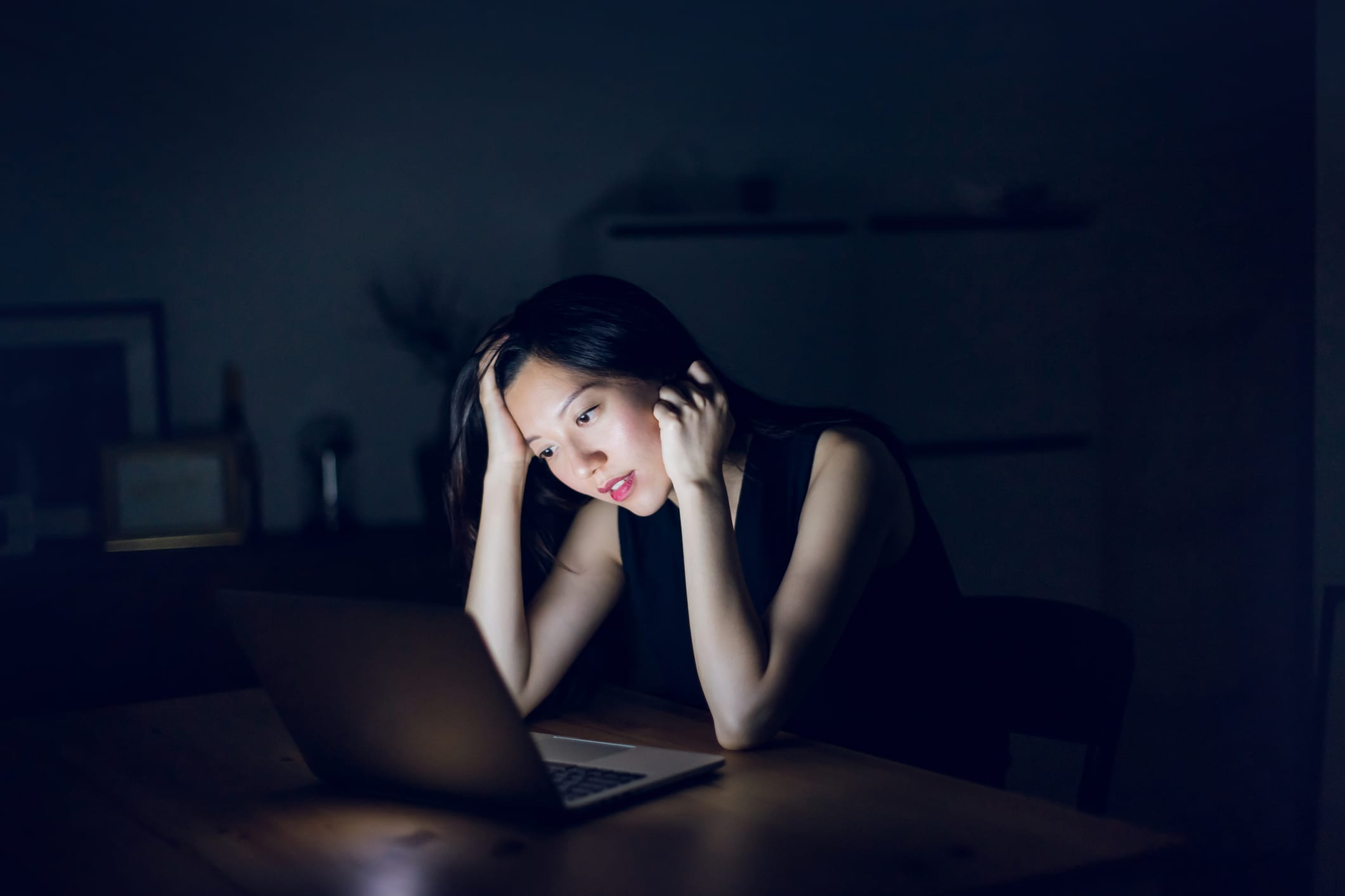 US women are working longer hours as their sleep and social lives suffer thumbnail