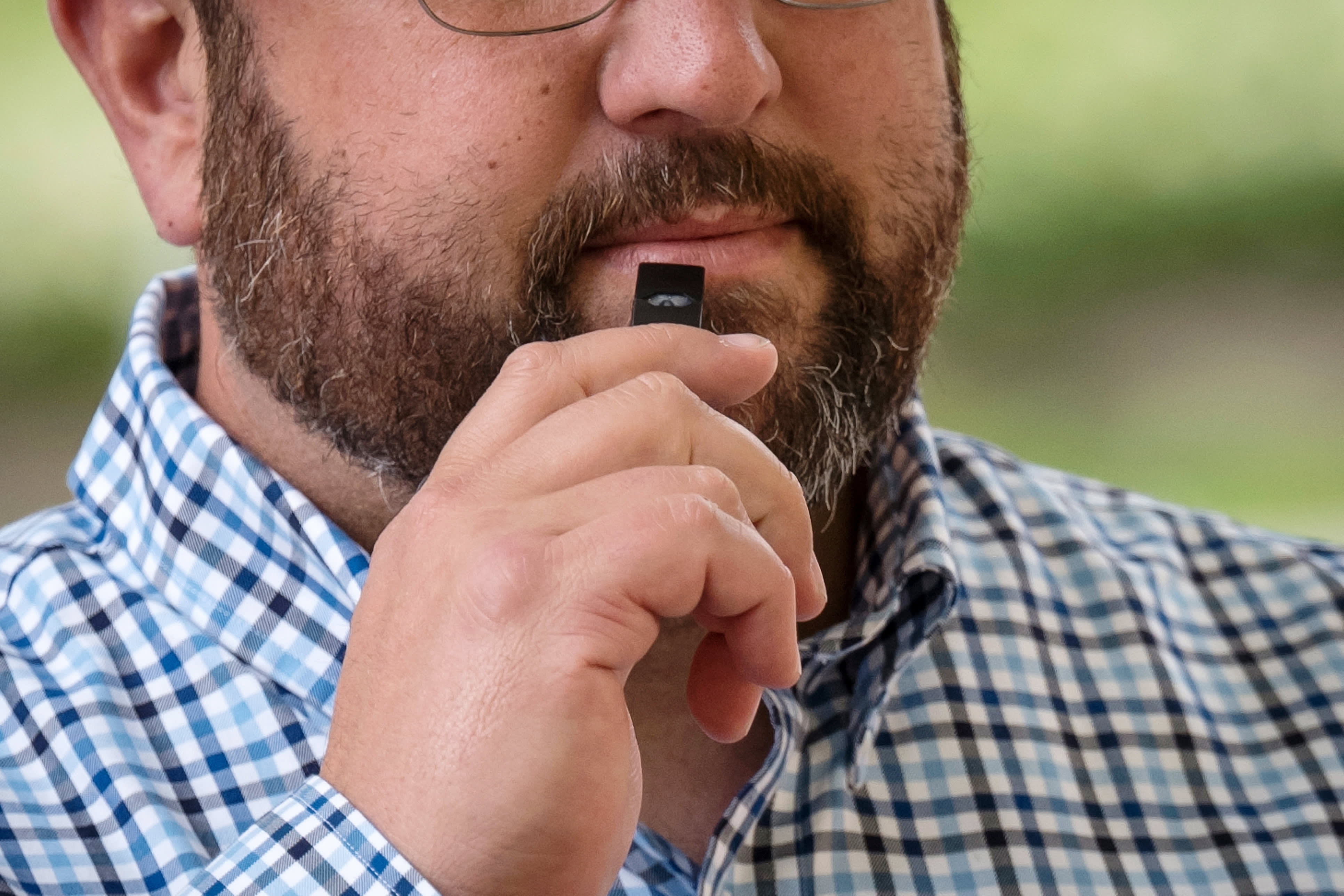 San Francisco bans e-cigarette sales, becoming the first US city to do so
