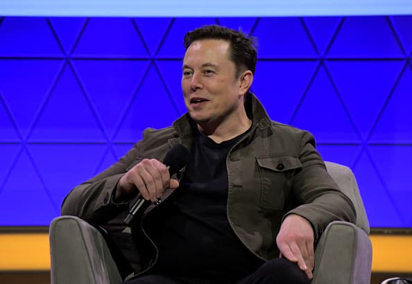 Elon Musk's brain-machine start-up plans human trials in 2020