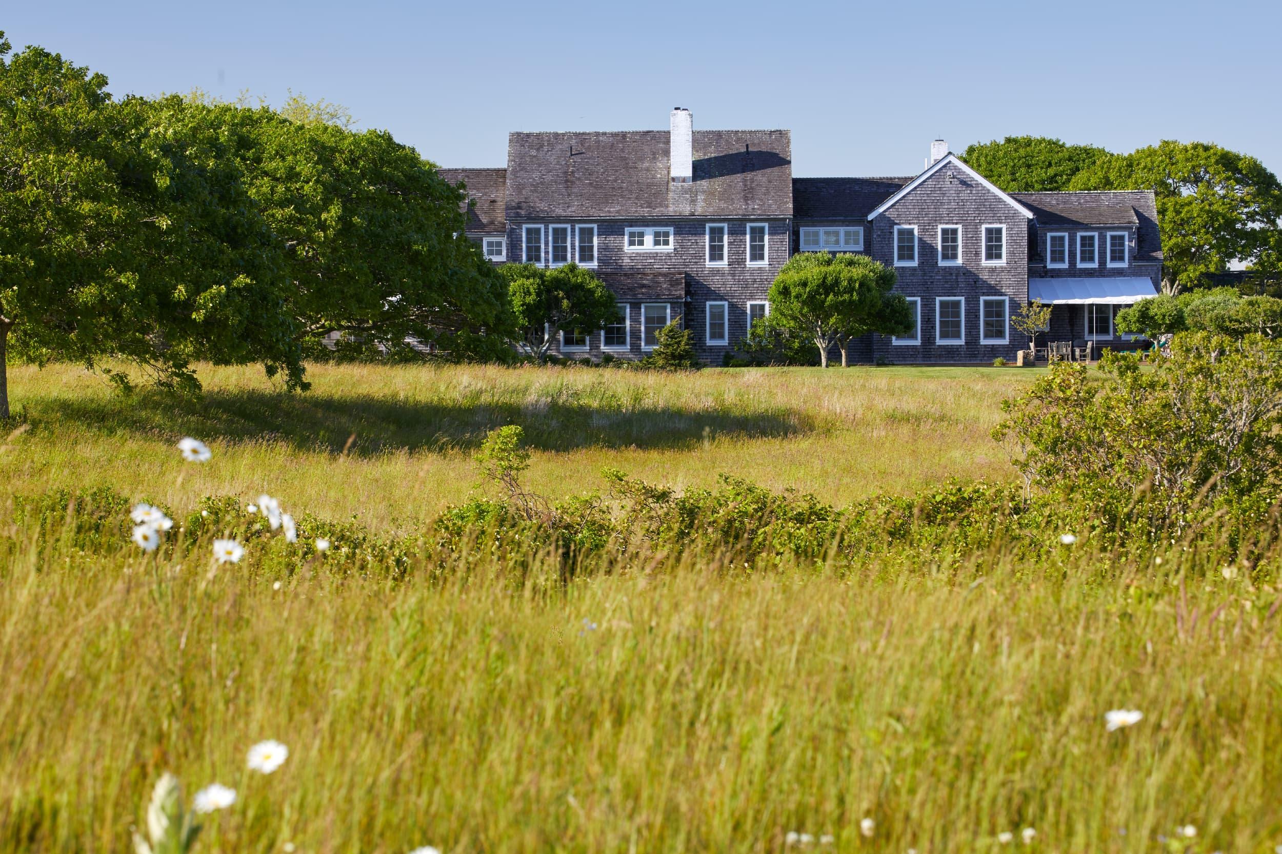 Photos: Jackie Kennedy Onassis' Martha's Vineyard summer