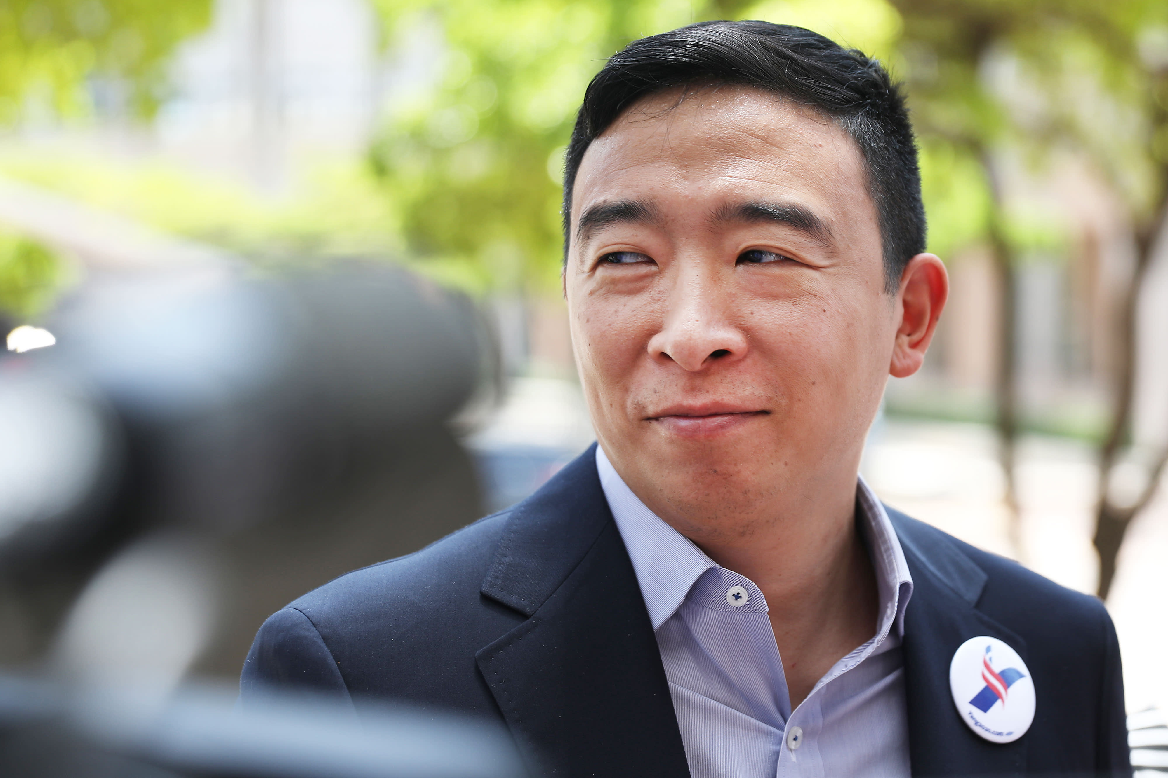 Andrew Yang says Democrats should focus on 'putting cash into people's hands'