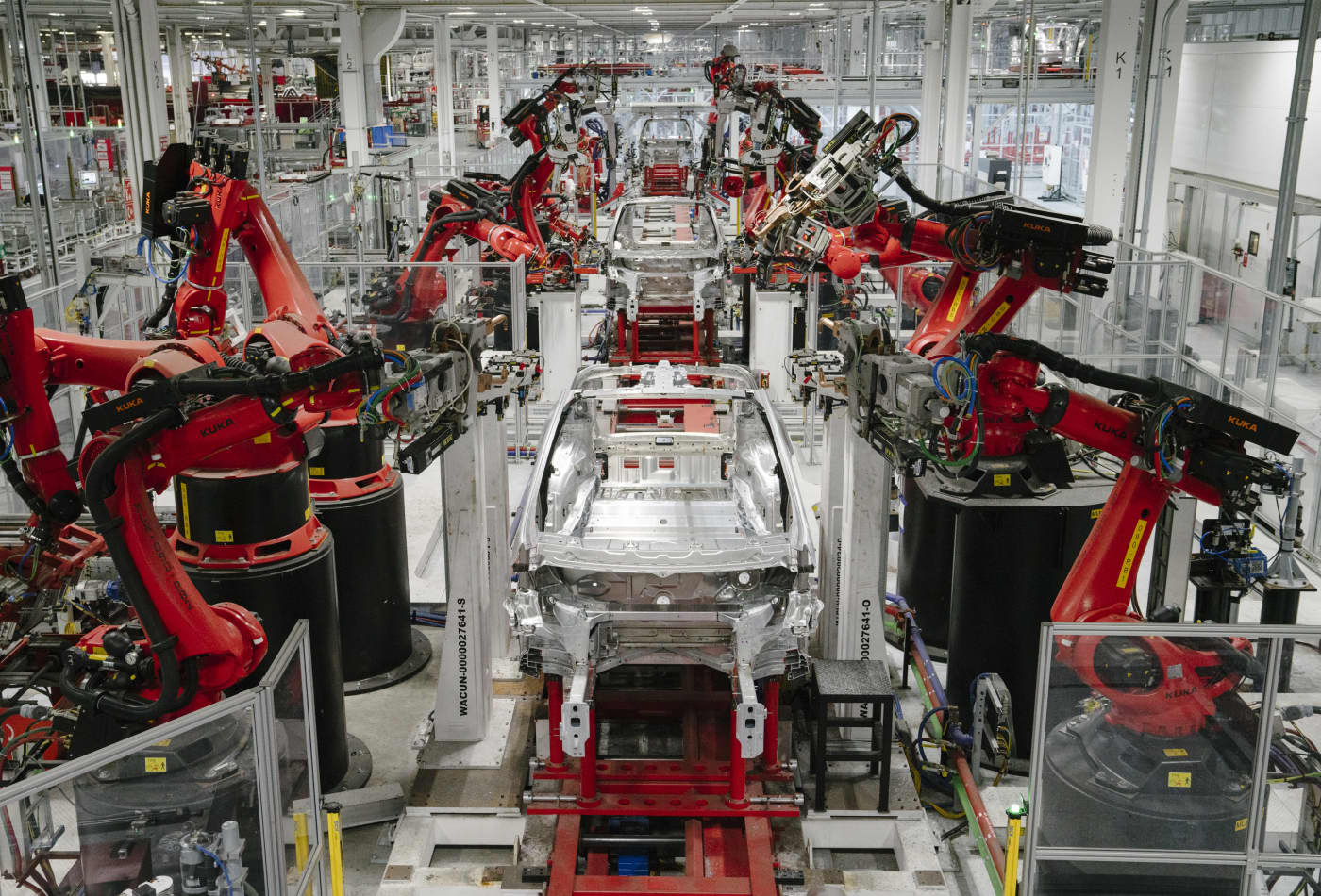 Tesla tells employees Model S and X production will shut down for 18 days