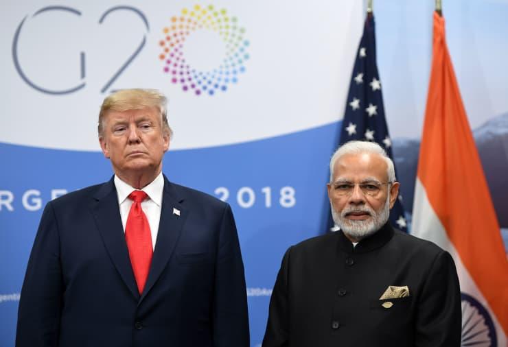 GP: India's Prime Minister Narendra Modi (R) and US President Donald Trump