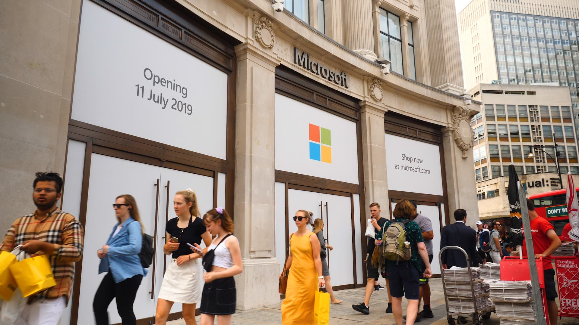 Microsoft opens first retail store in Europe – just down the street from Apple