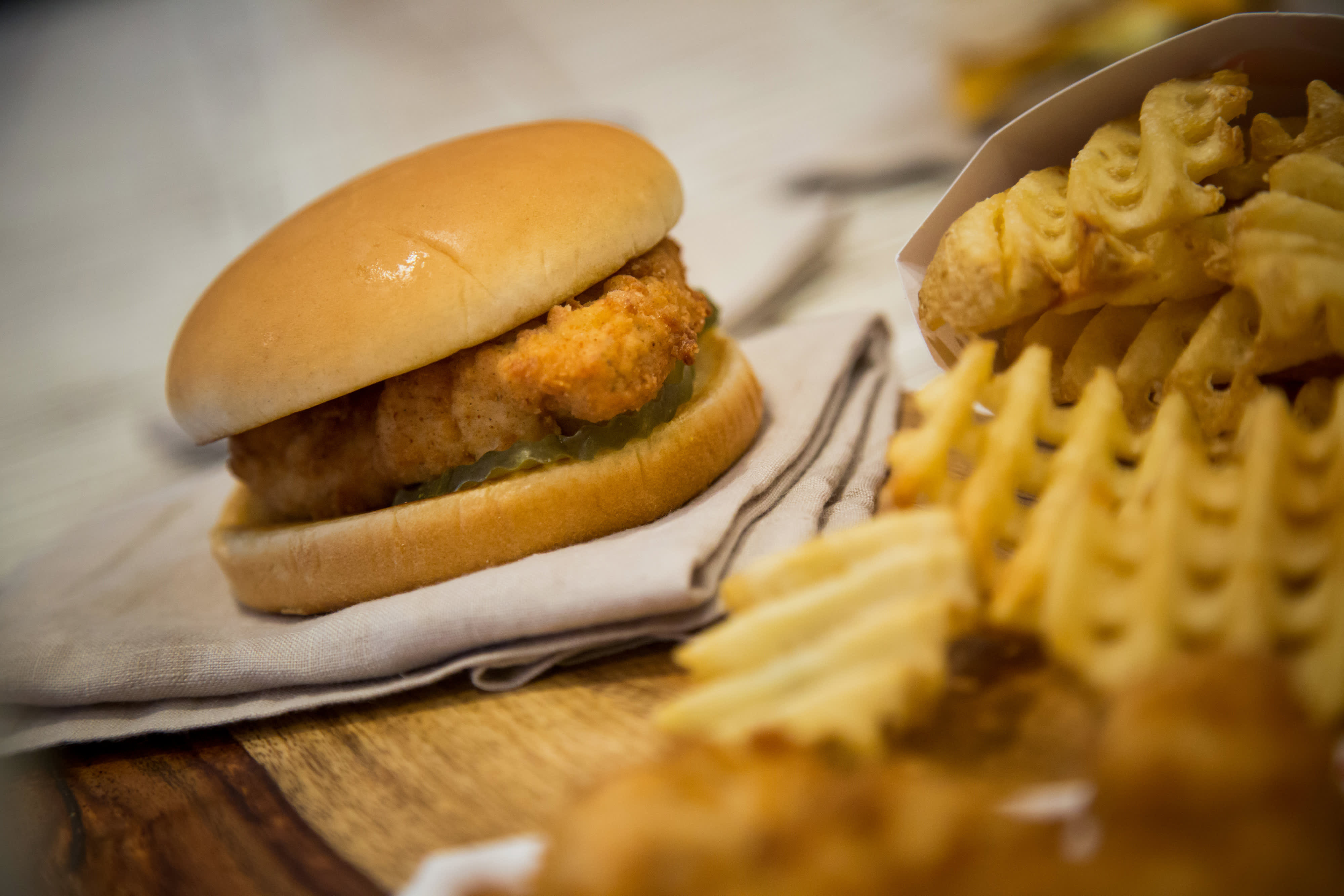36483e2e0 McDonald's US franchisees ask for a Southern-style chicken sandwich to  compete with Chick-fil-A