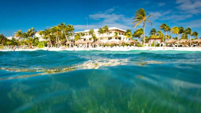 GP: Akumal Caribbean beach in Riviera Maya