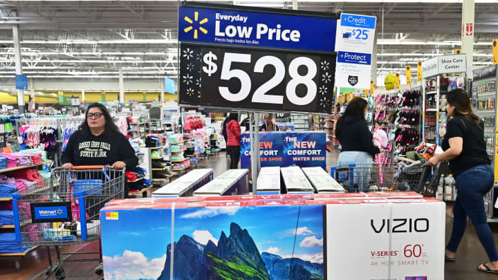 US core inflation posts biggest gain in nearly 1 1/2 years
