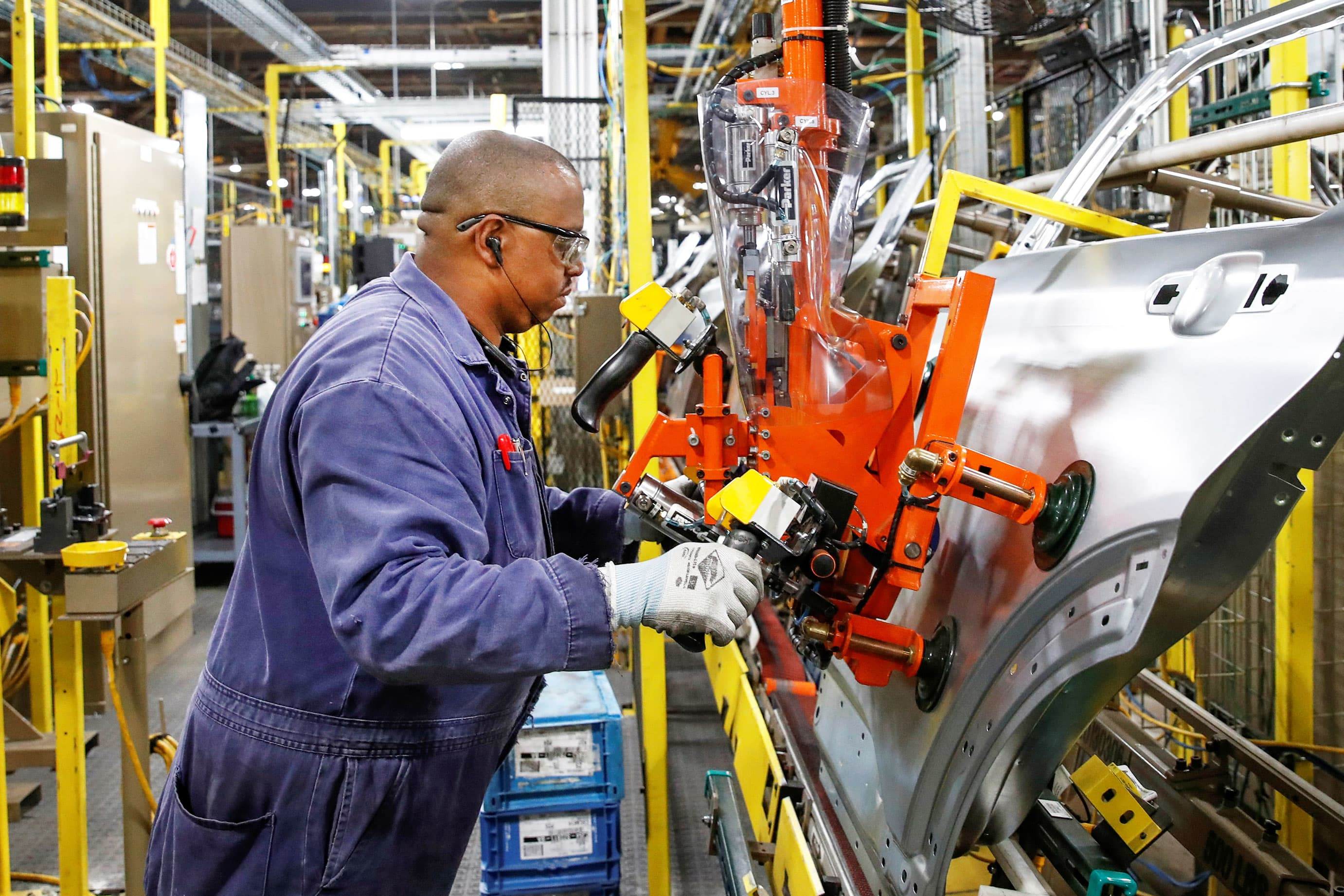 Jobs data, manufacturing report, Exxon earnings: 3 things to watch in the markets Friday