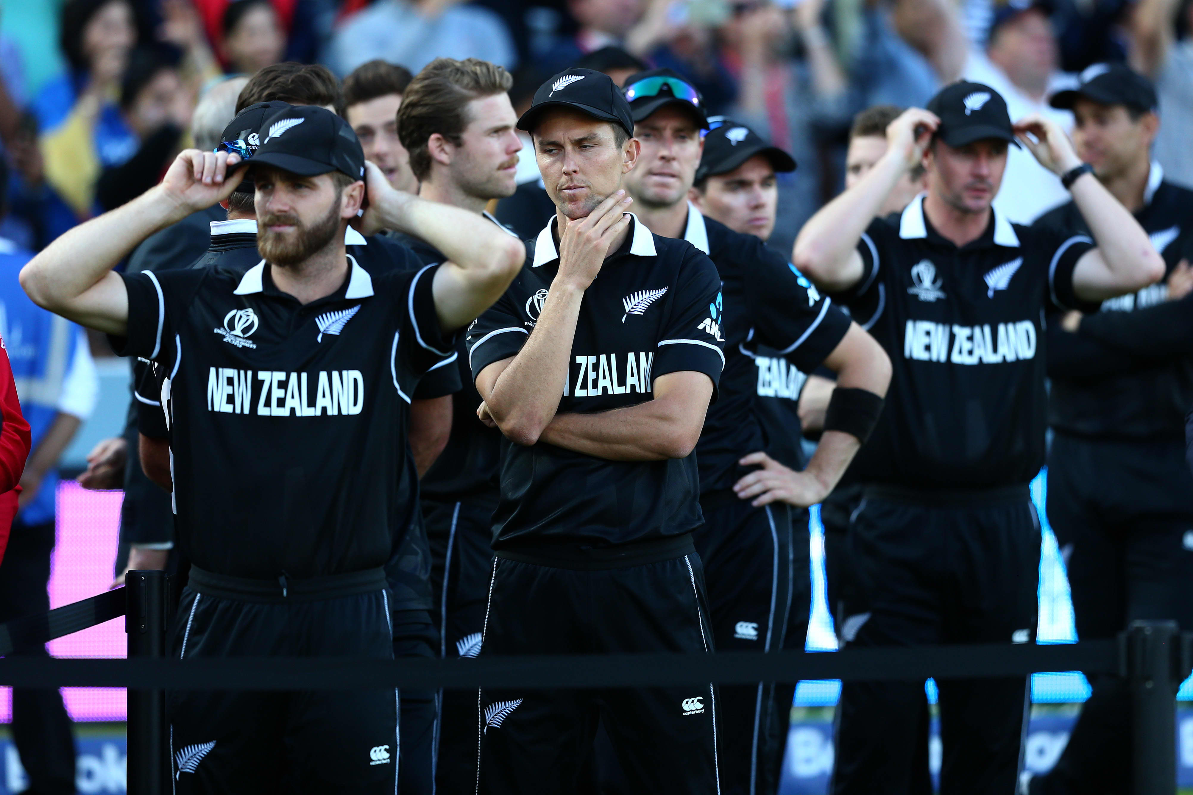 New Zealand fans agonize after defeat in thrilling Cricket world cup final thumbnail