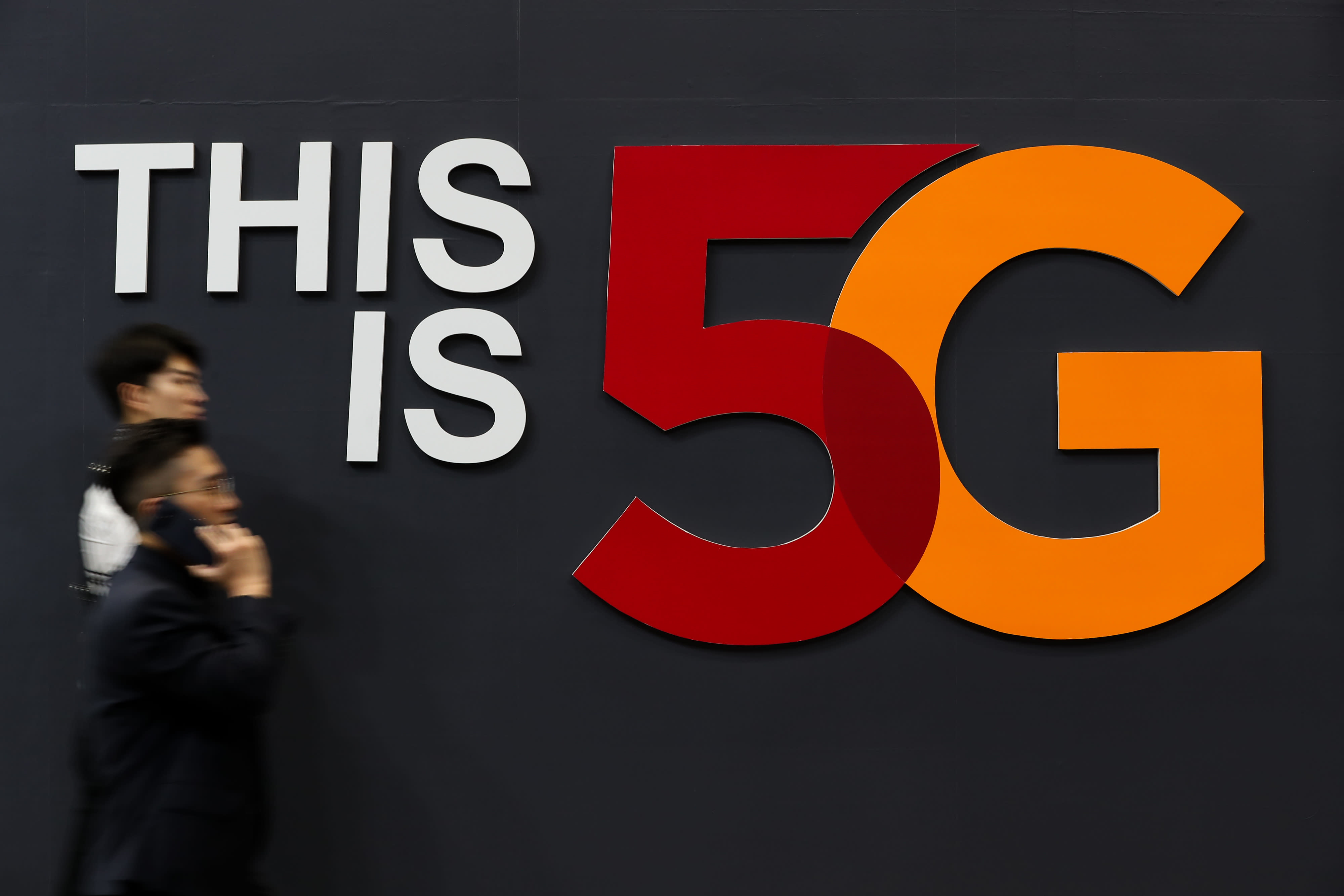 Singapore to roll out commercial 5G services by 2020