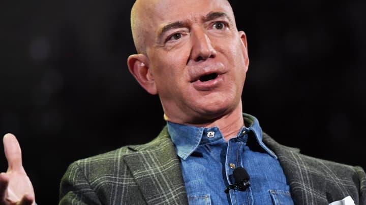 Jeff Bezos Amazon Customer Angry Over Black Lives Matter Message