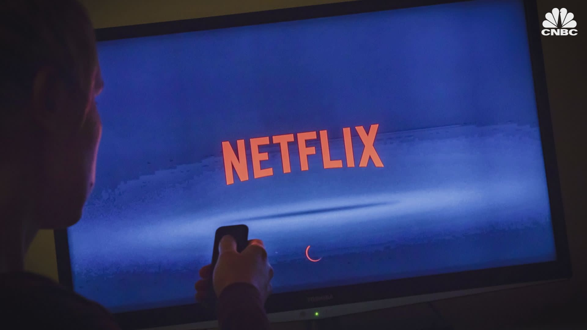 Analysts stick by plunging Netflix shares, see comeback this quarter driven by 'Stranger Things'