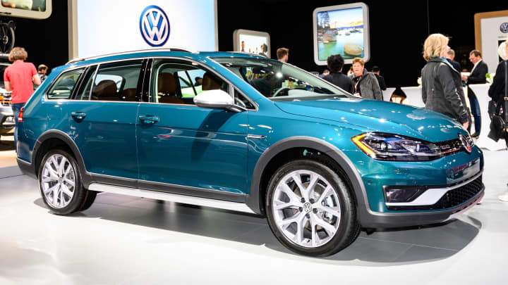 VW pounds another nail in the coffin of the station wagon. Discontinues Golf SportWagen and Golf Alltrack