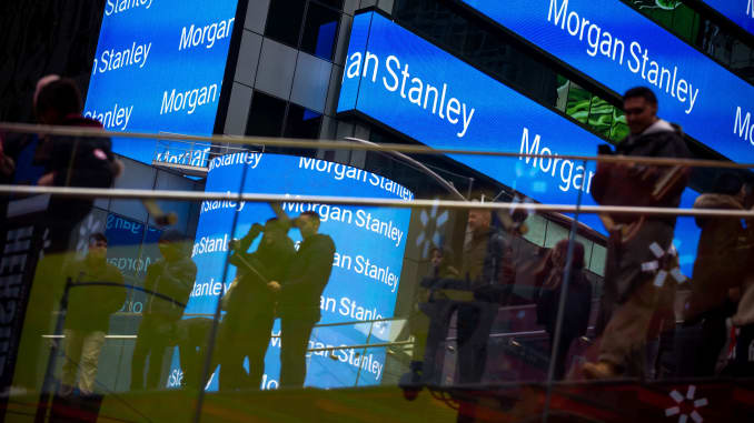 Rich Morgan Stanley clients withdrew a surprising amount to