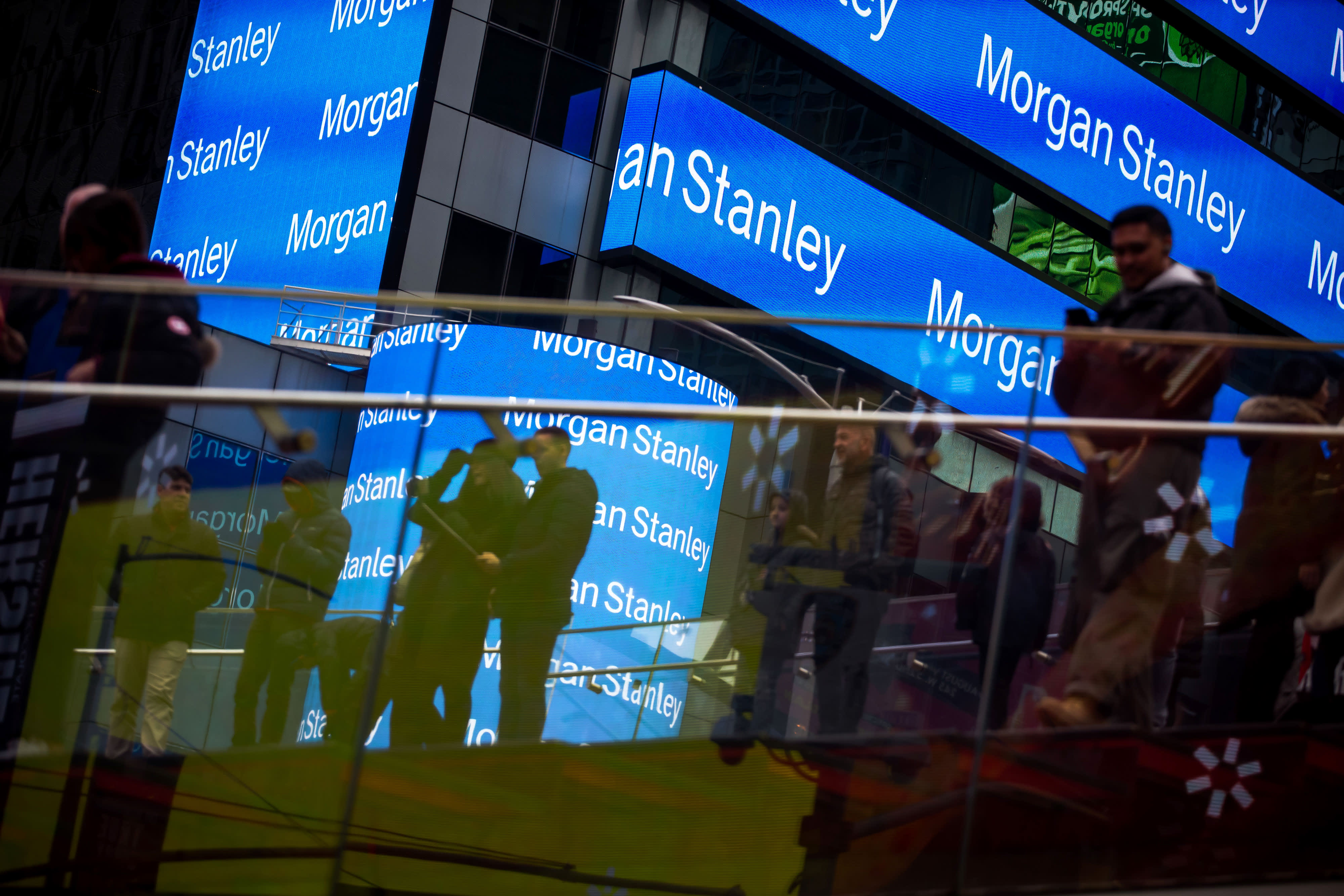 Morgan Stanley is planning to bring traders back...
