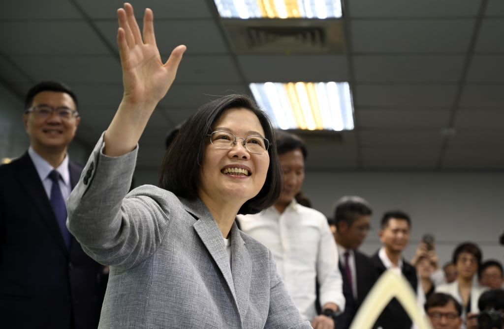 Hong Kong protests have 'given a bounce to Tsai Ing-wen' in Taiwan, says professor