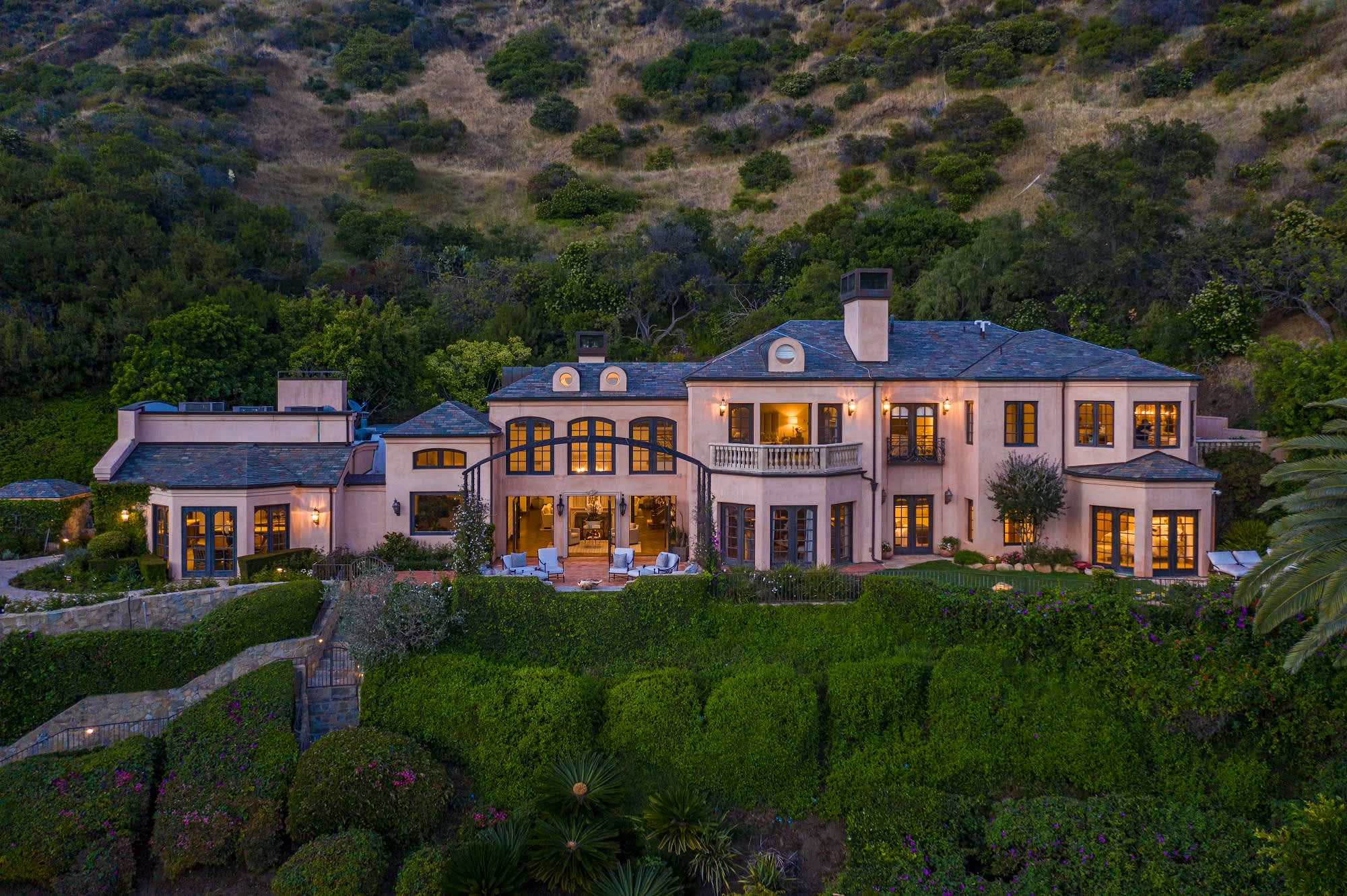 Kelsey Grammer's former Malibu compound is on sale for $19.95 million — take a look inside