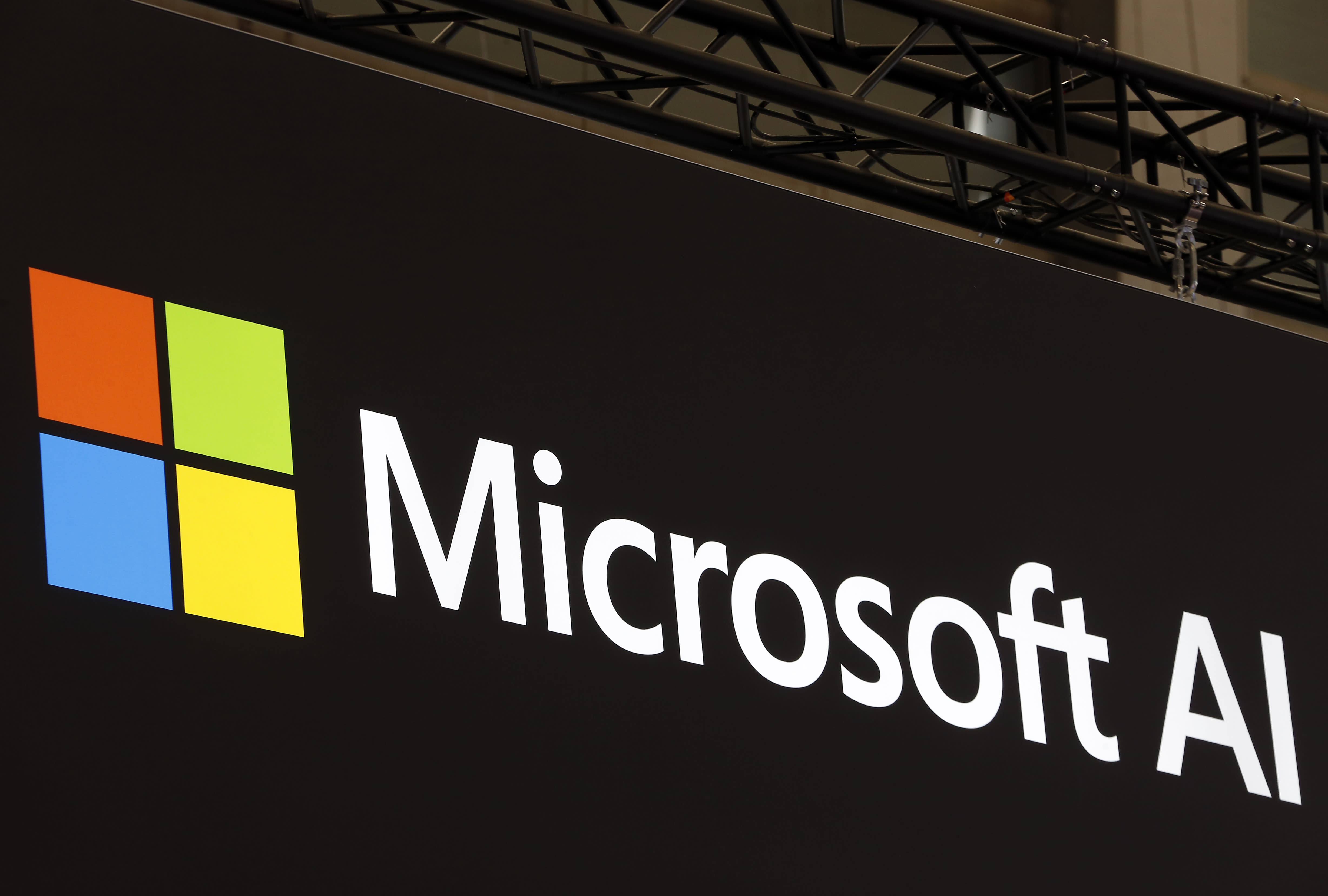Microsoft invests $1 billion in artificial intelligence project co-founded by Elon Musk