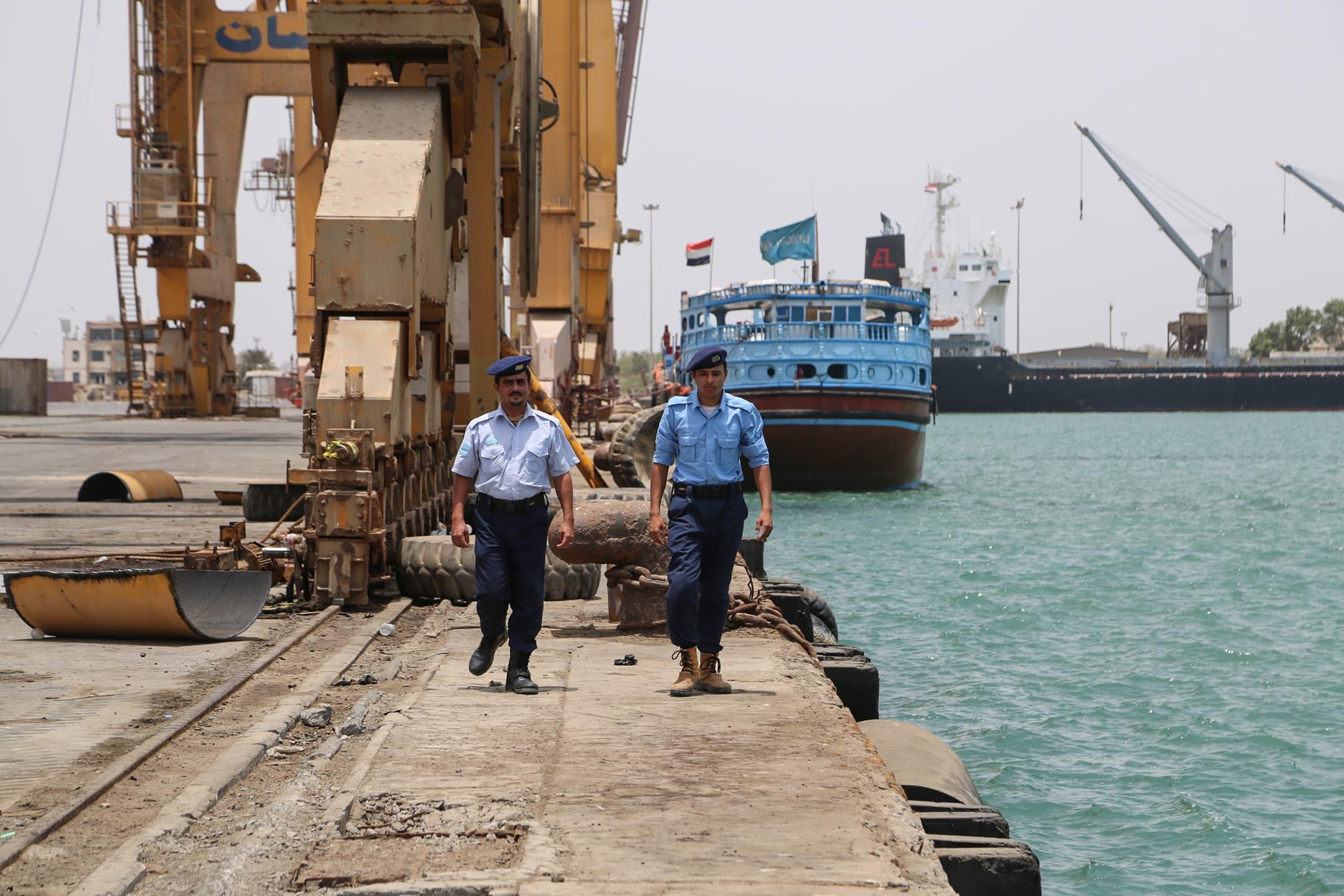 Oil tanker near Yemen coast could soon explode, experts warn