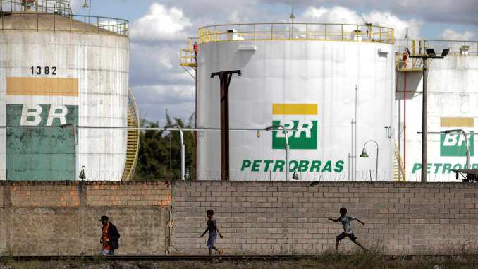 RT: Petrobras oil tanks Brazil 190725