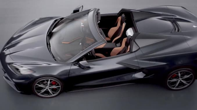 New Corvette Stingray >> Chevy Uncovers New Corvette Convertible And Race Version Of Stingray