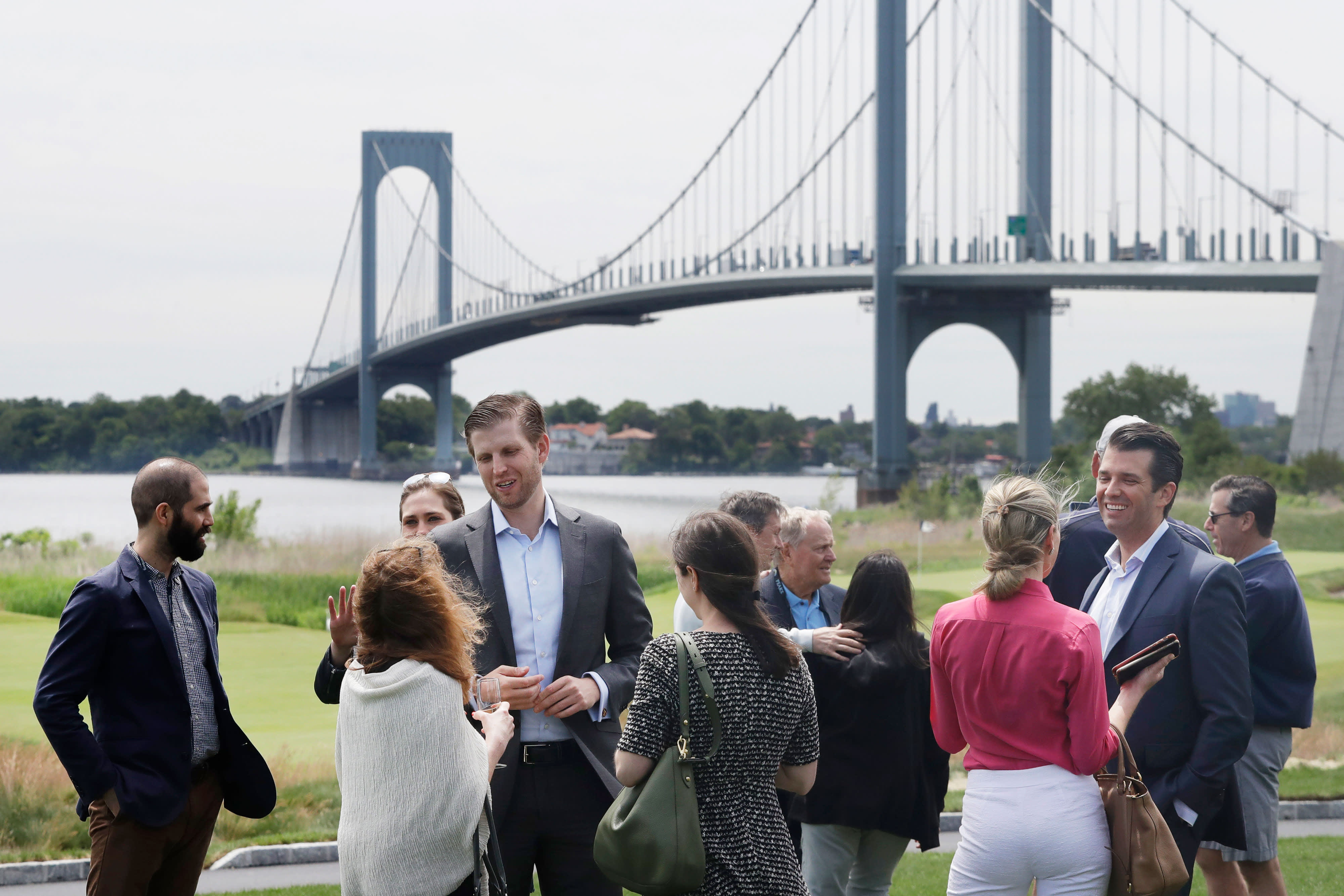 Trump's Bronx golf course lost $122,000 last year and blamed New York City