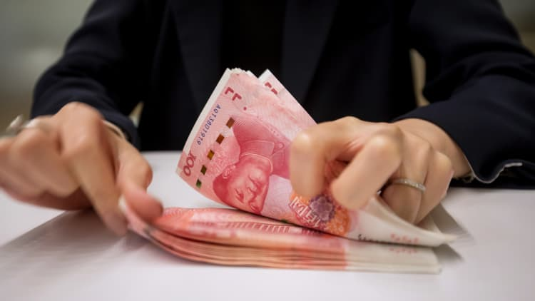 106060125 1565014908629gettyimages 1137493996 - China Sets The Yuan Midpoint At 7.0039 Per Dollar, Weakest Since April 2008