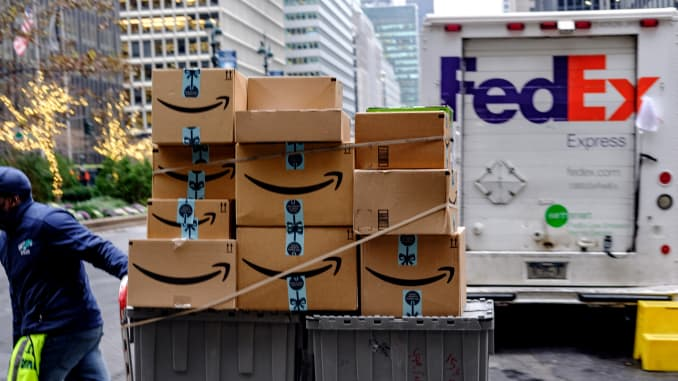 GP: FedEx Corp. Amazon packages
