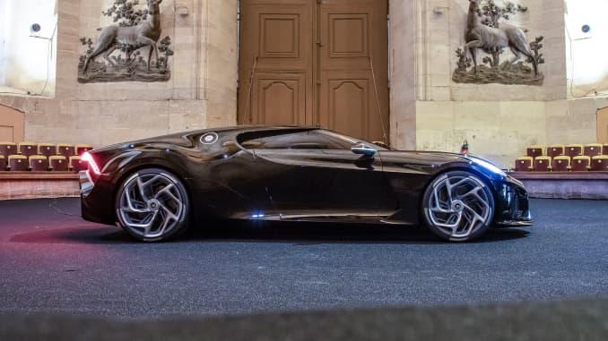 H/O: Bugatti's La Voiture Noire 9
