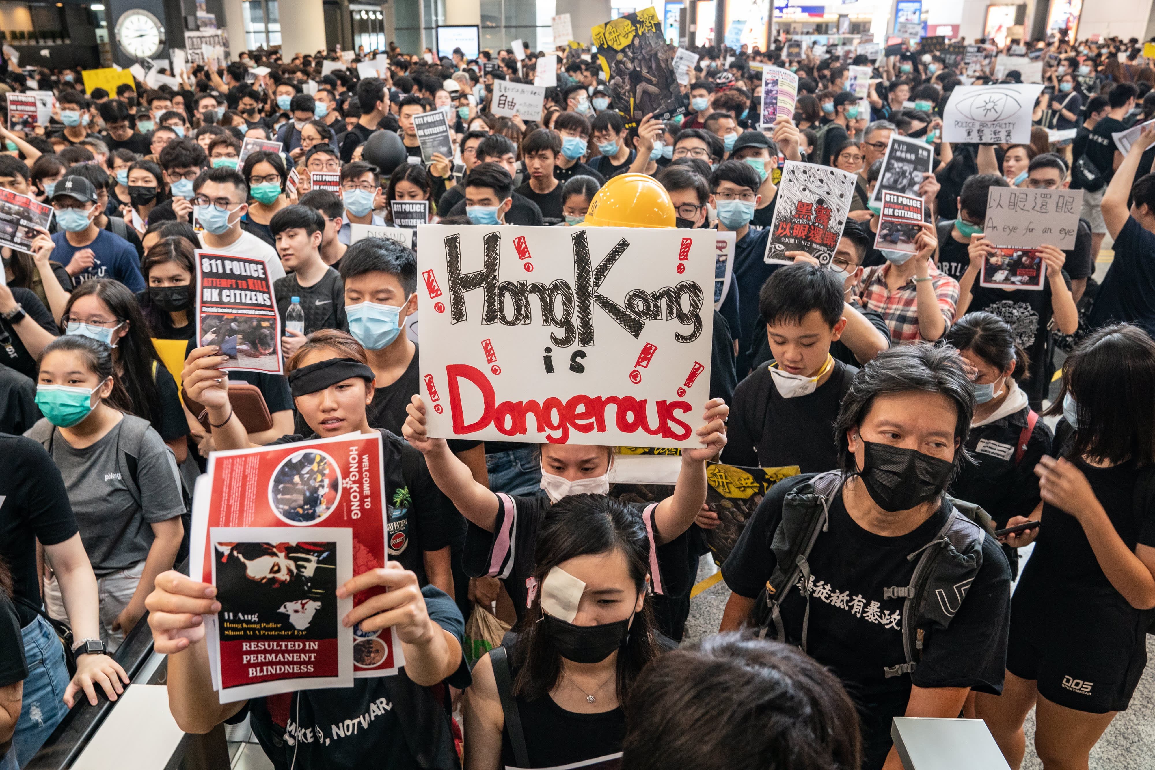 China media: Hong Kong protesters 'asking for self-destruction' as military gathers thumbnail