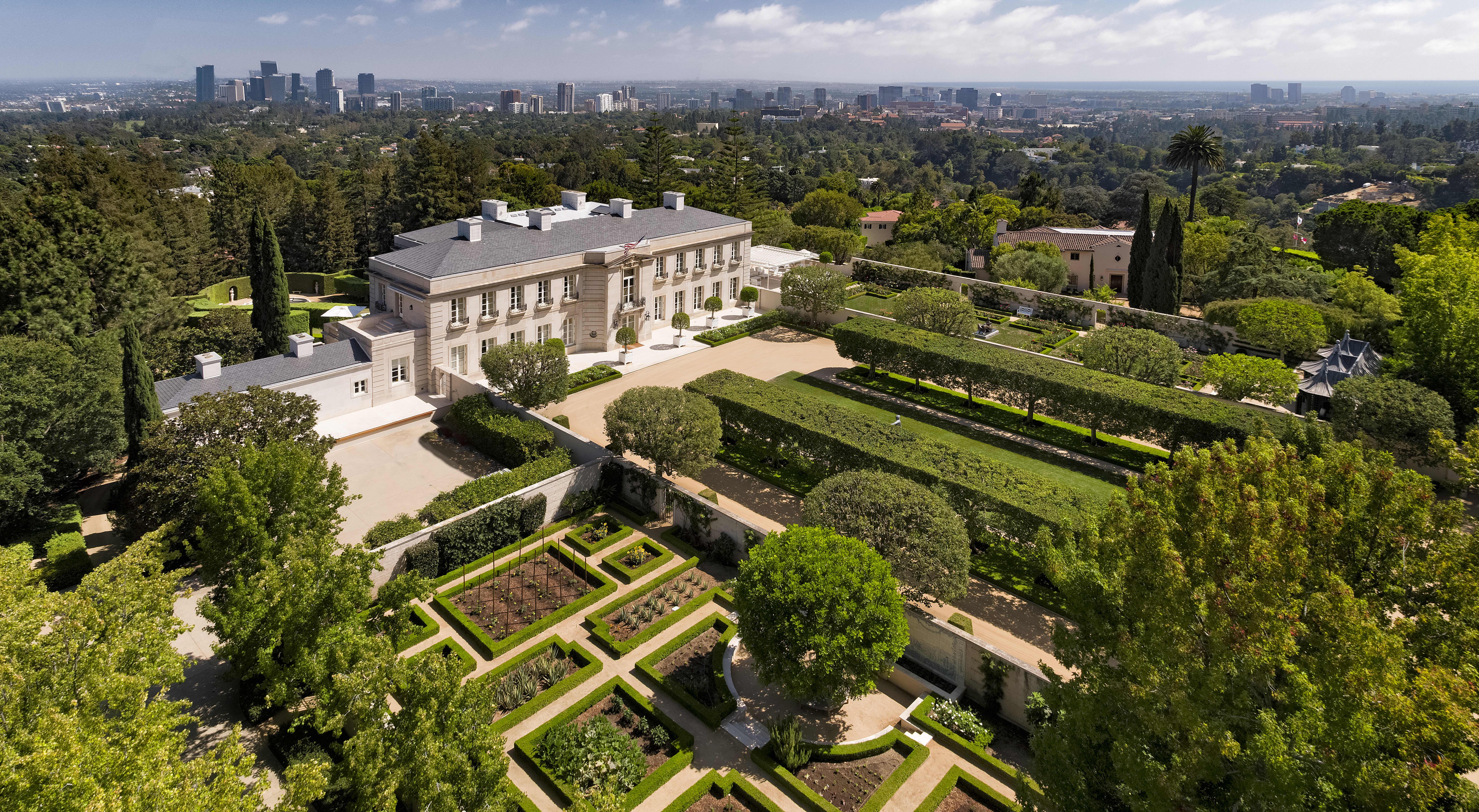 Take a look inside of Lachlan Murdoch's new $150 million LA mansion