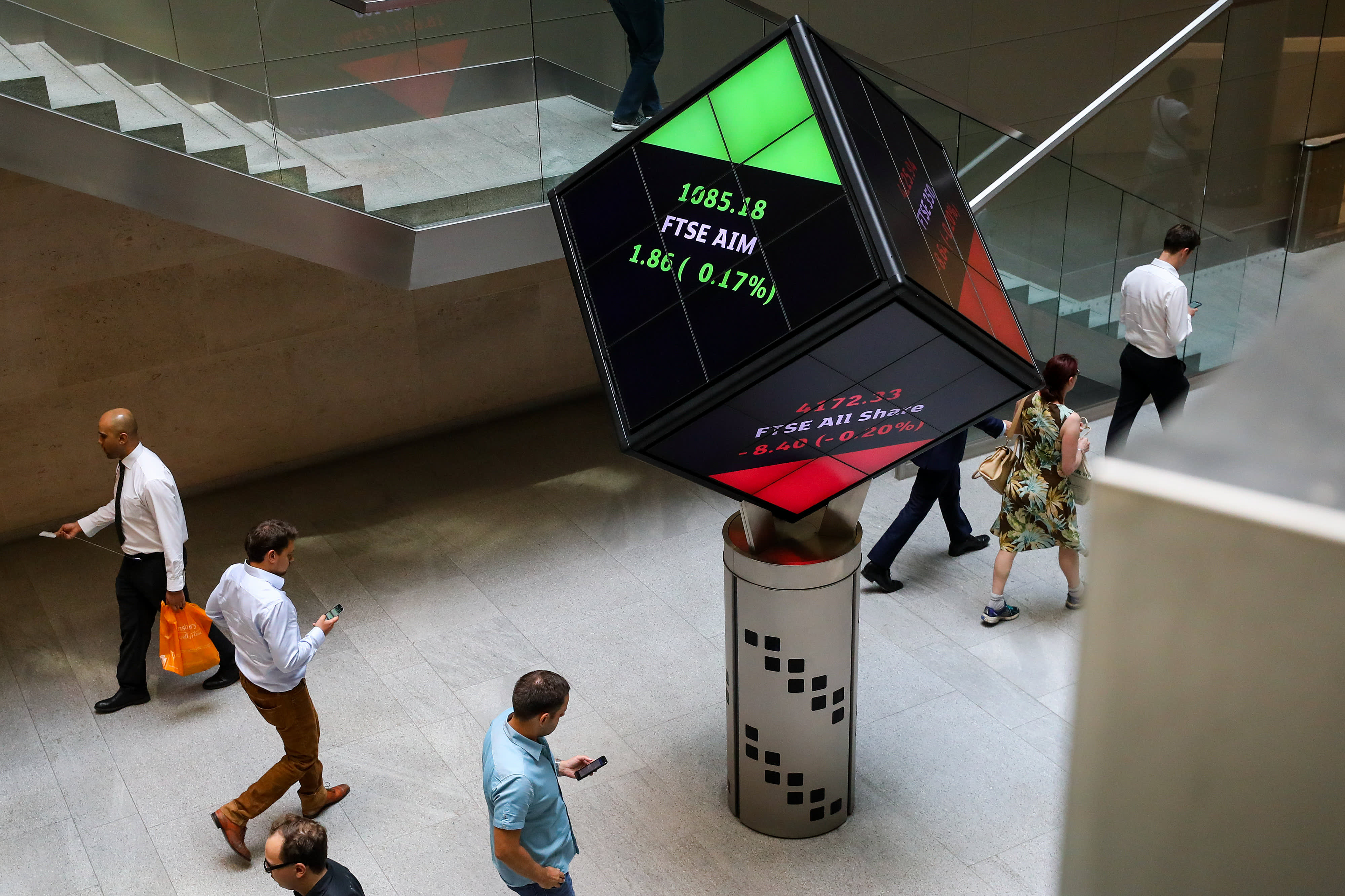 Hong Kong stock exchange could find London exchange 'unaffordable,' says strategist