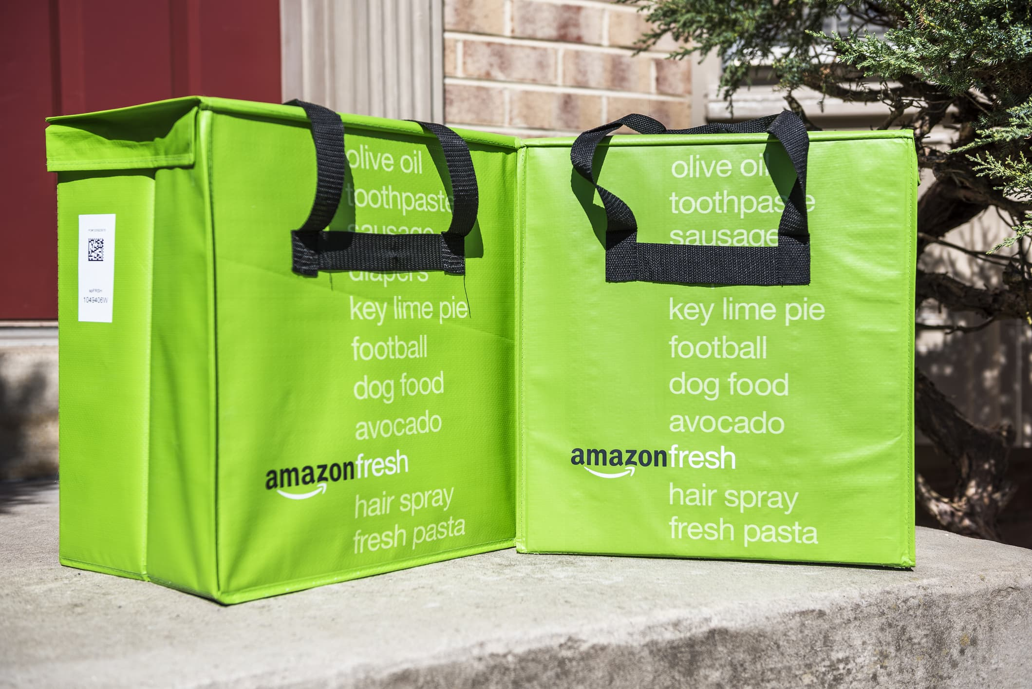 Here are all the ways you can buy groceries on Amazon—and how much each costs